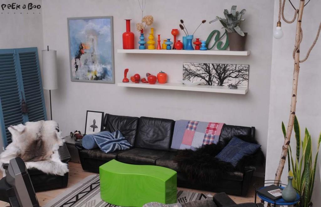 omrokering i stuen...skønne blå skodder...farver gir lidt forårsstemning. by Peekaboo design.