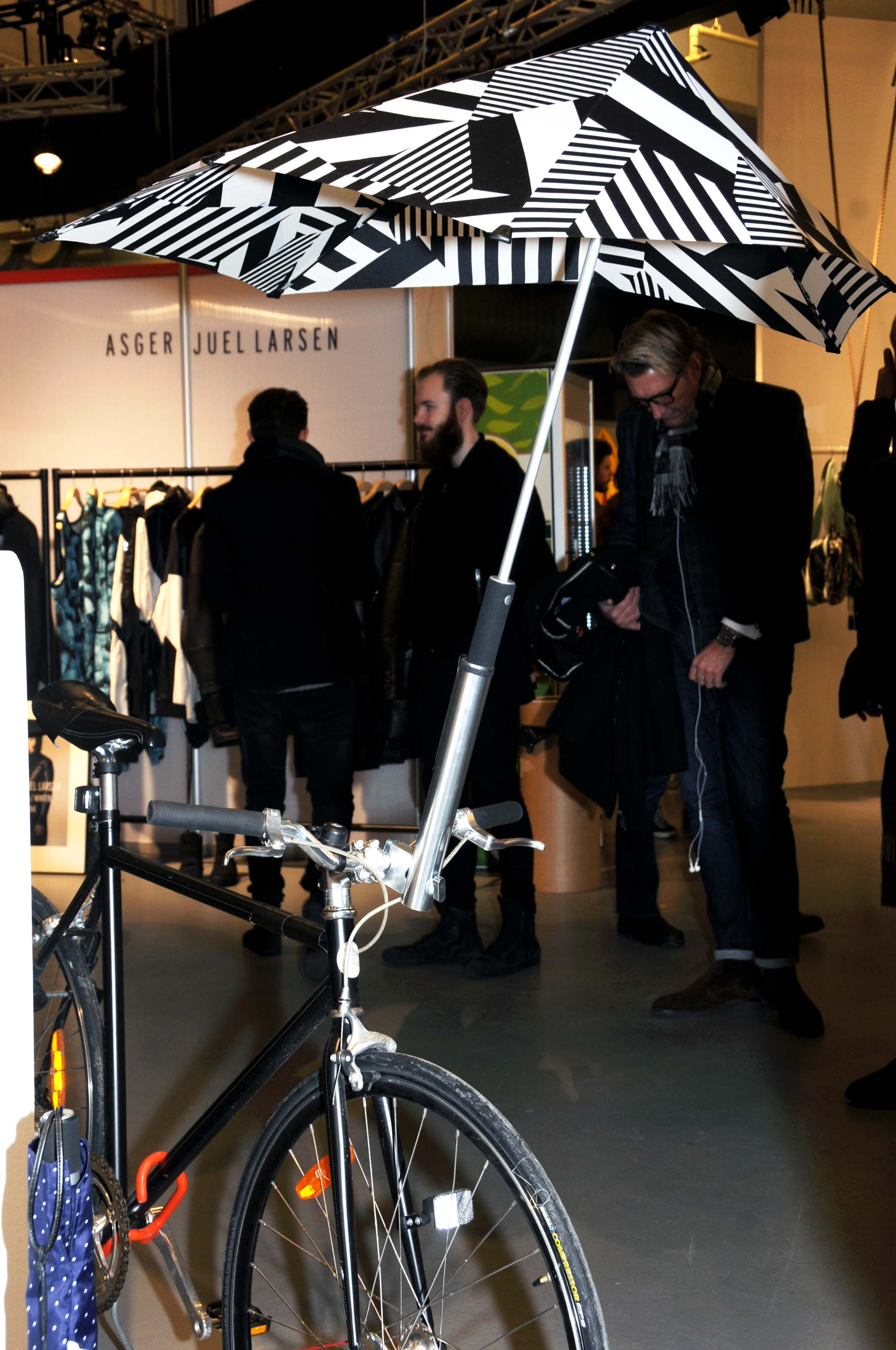 bicycle umbrella  from senz6.