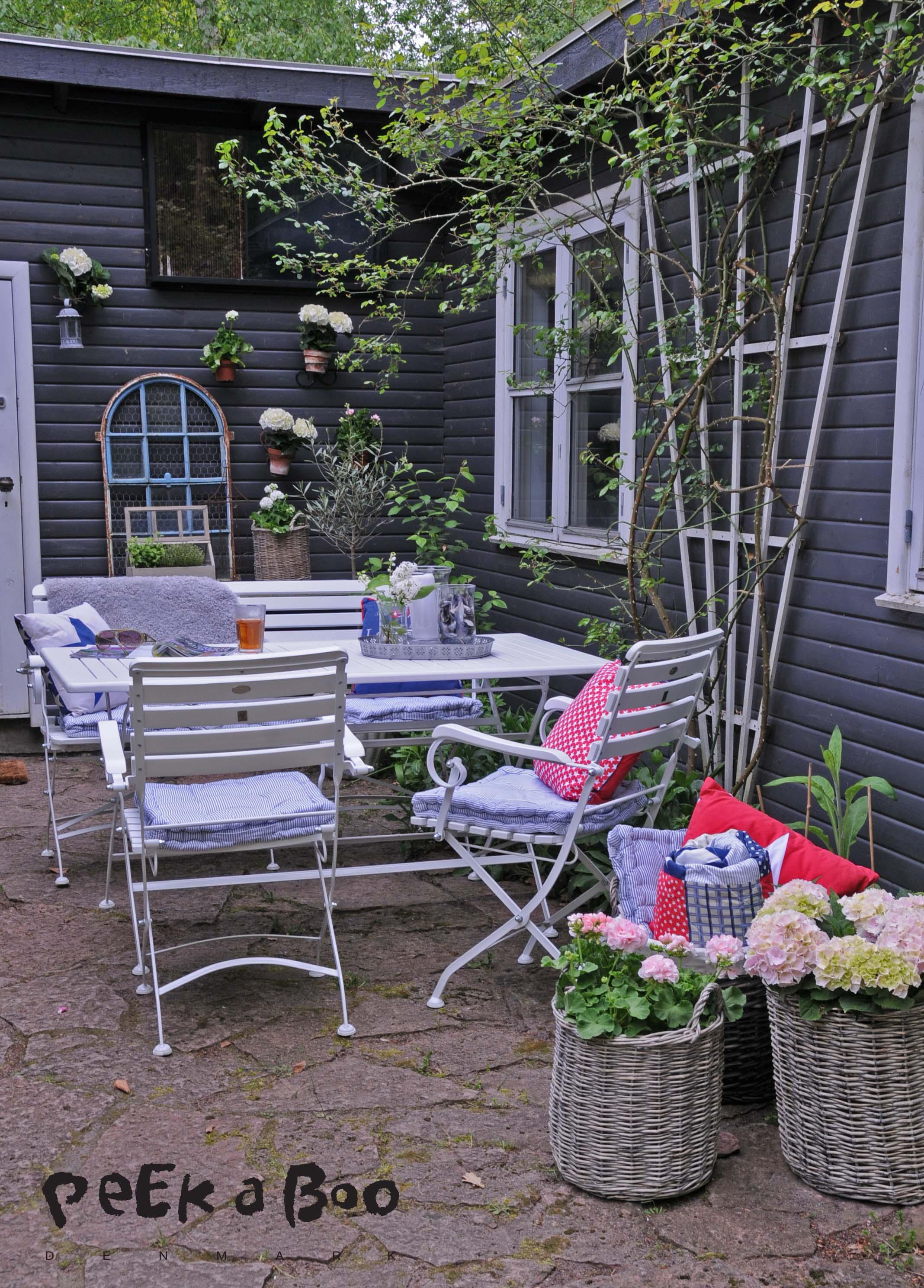 Terrasse, havemøbler fra JYSK, peekaboo design