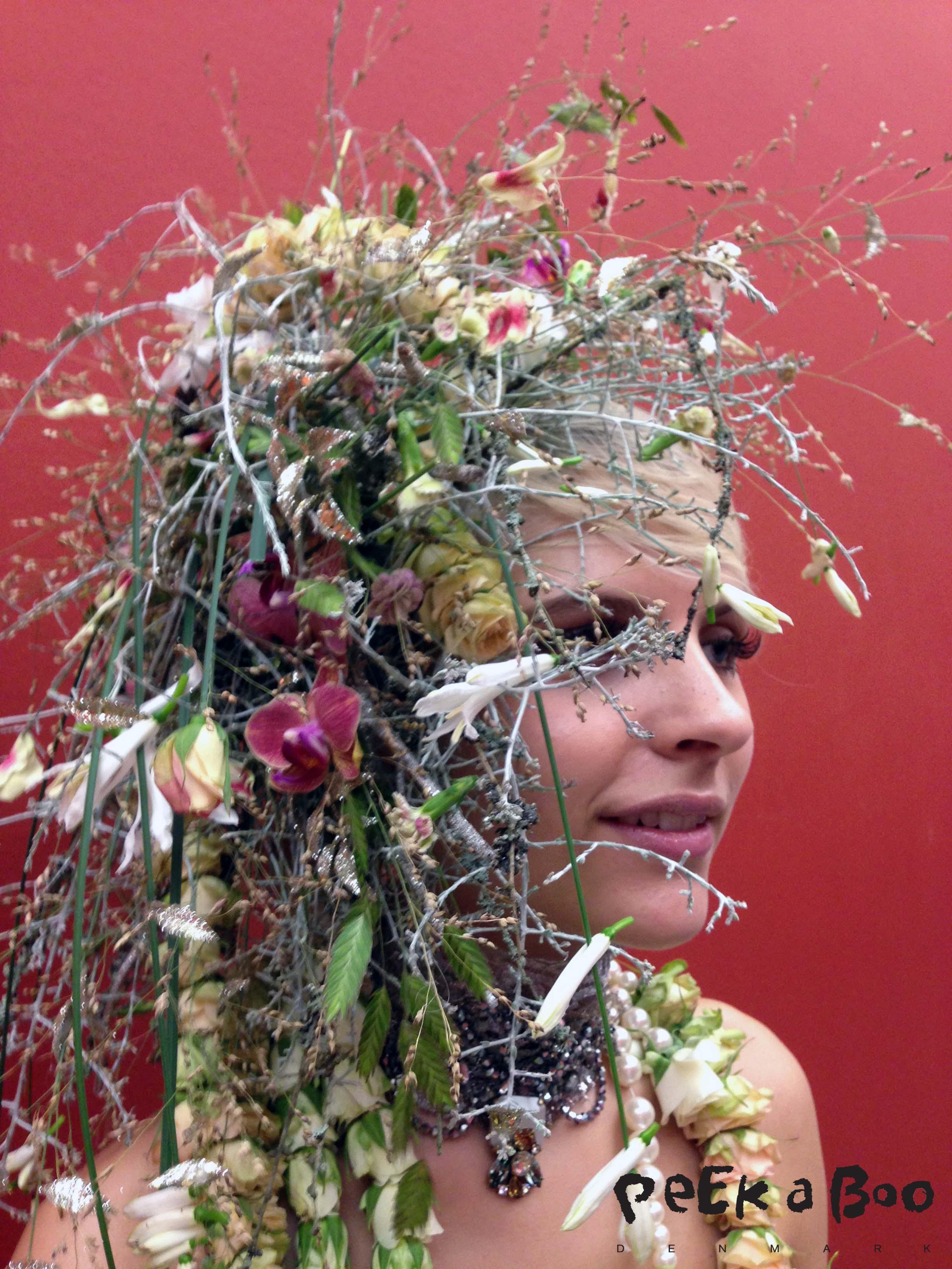 Den smukke hår kreation af Annette von Einem til bogens reception.