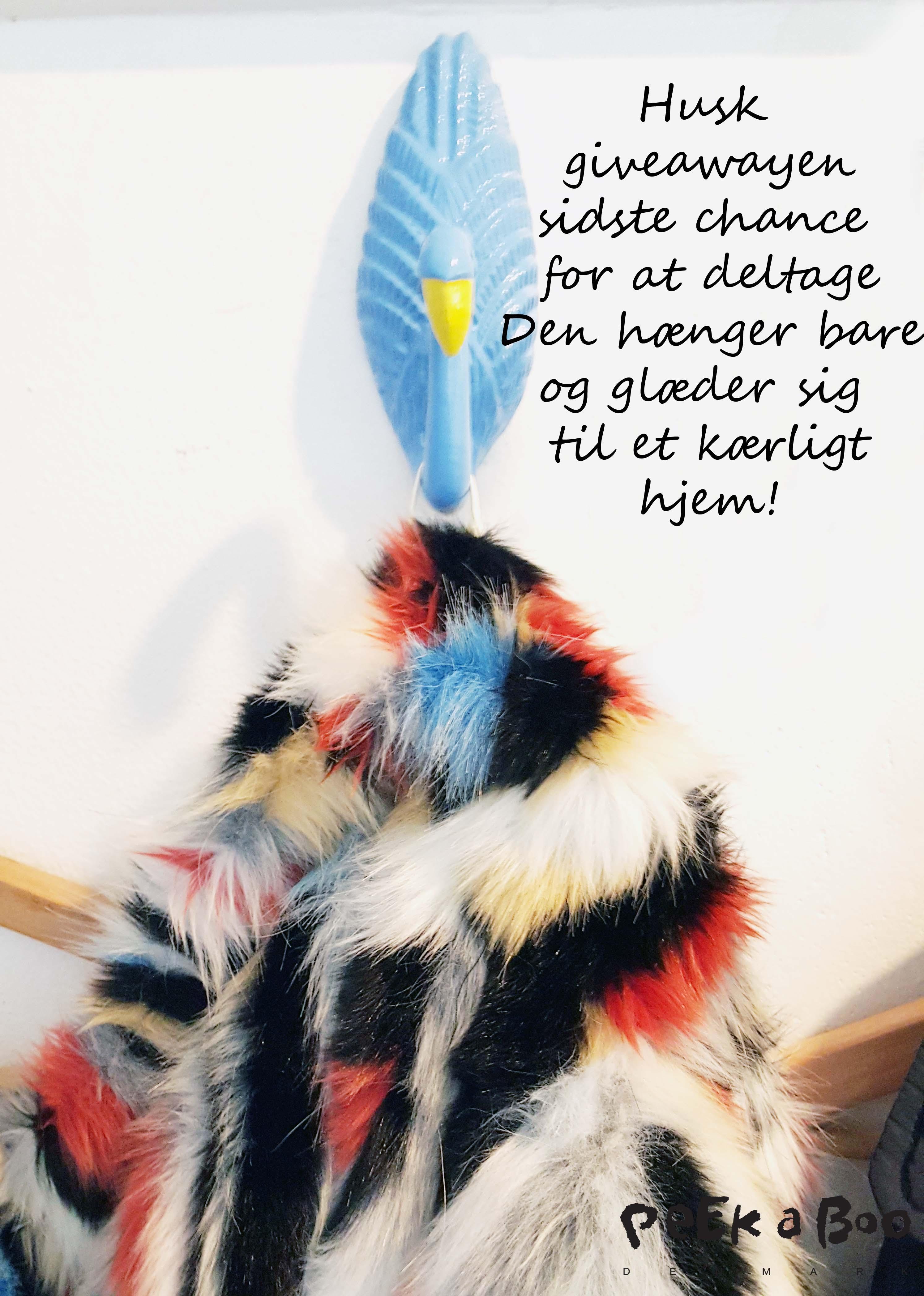 sidste chance for at deltage i giveawayen....skynd dig at lægge en lod i puljen om denne skønne Etage fake fur jakke, jeg trækker en vinder iaften.