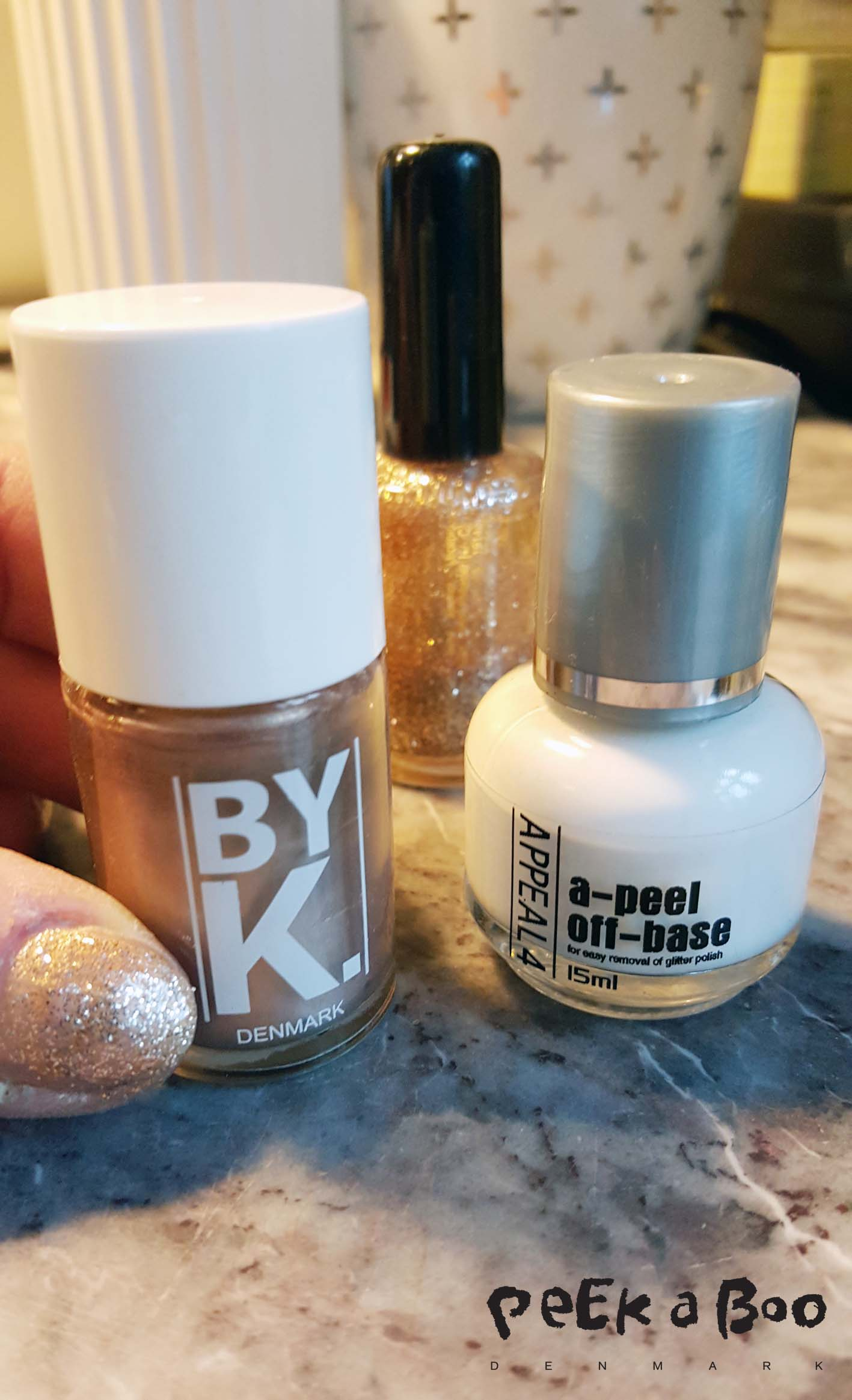 Copper nailpolish from Danish brand by K and peel-off base coat from Appeal4 also a Danish brand.