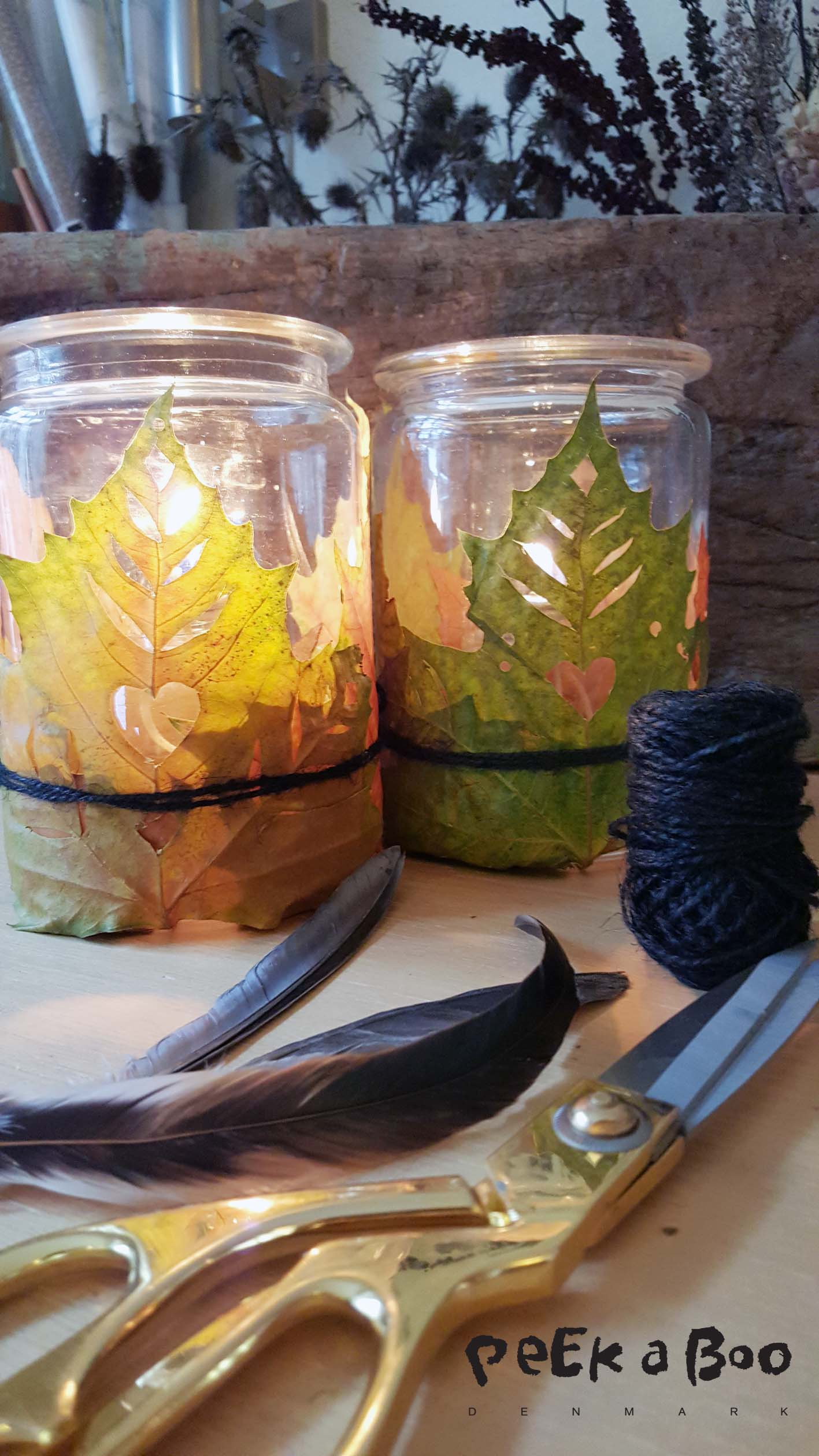 the lanterns with autumn leafs are easy made and will make a unique decoration in your home.