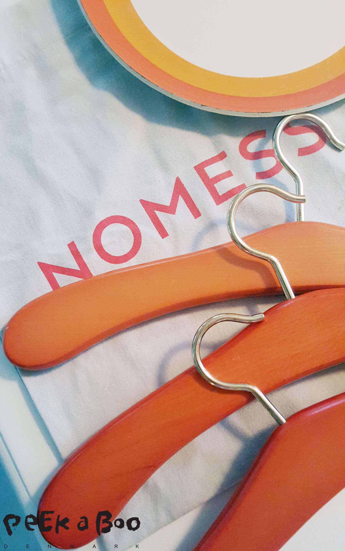 Nomess bag and Fleamarkets finds in orange.