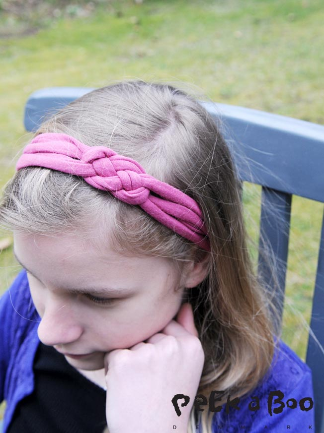 The finished headband, if you like it to be more chunky, just make the tubes thicker.