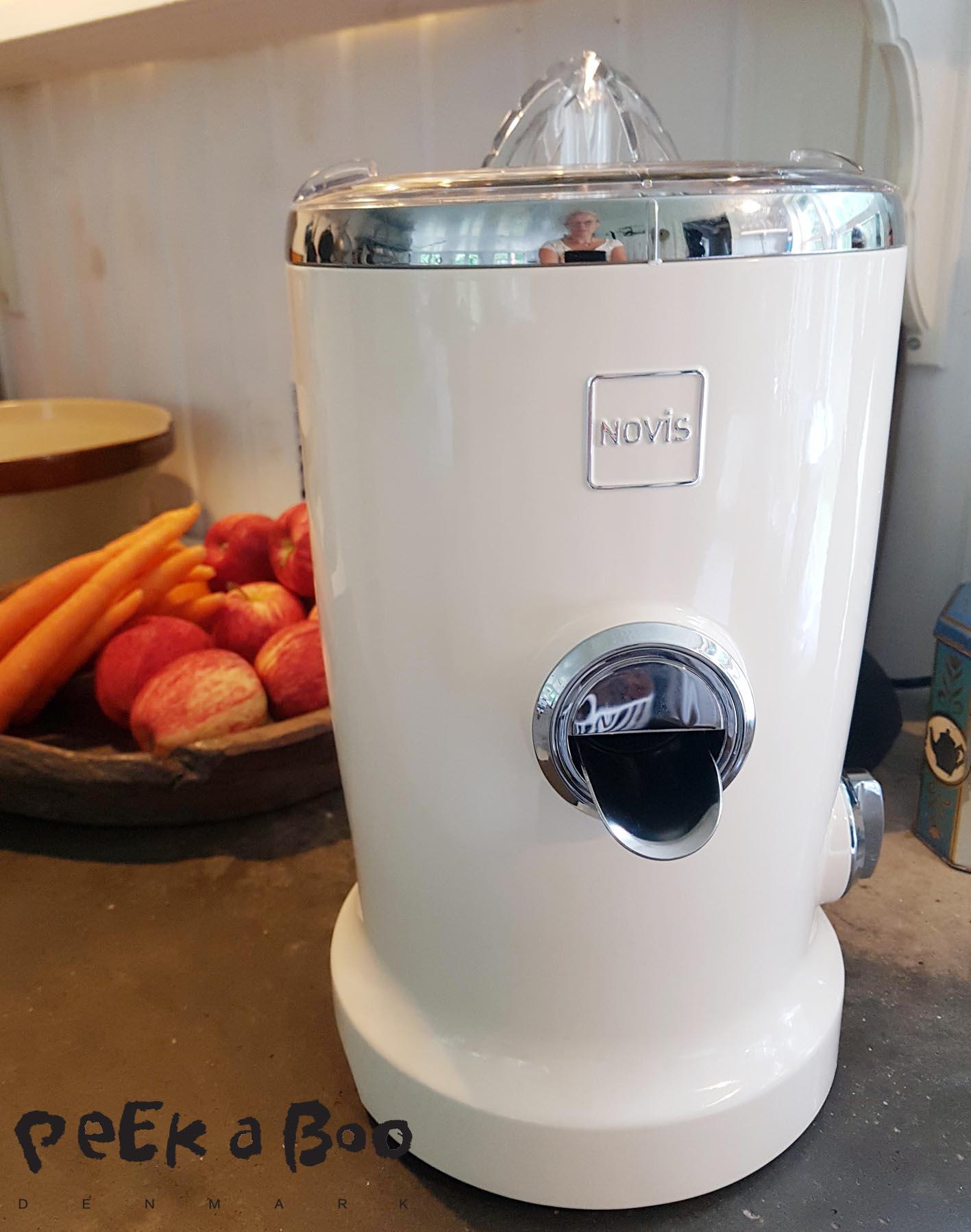 The Novis Vita Juicer won the Red Dot award 2014 for it's design.