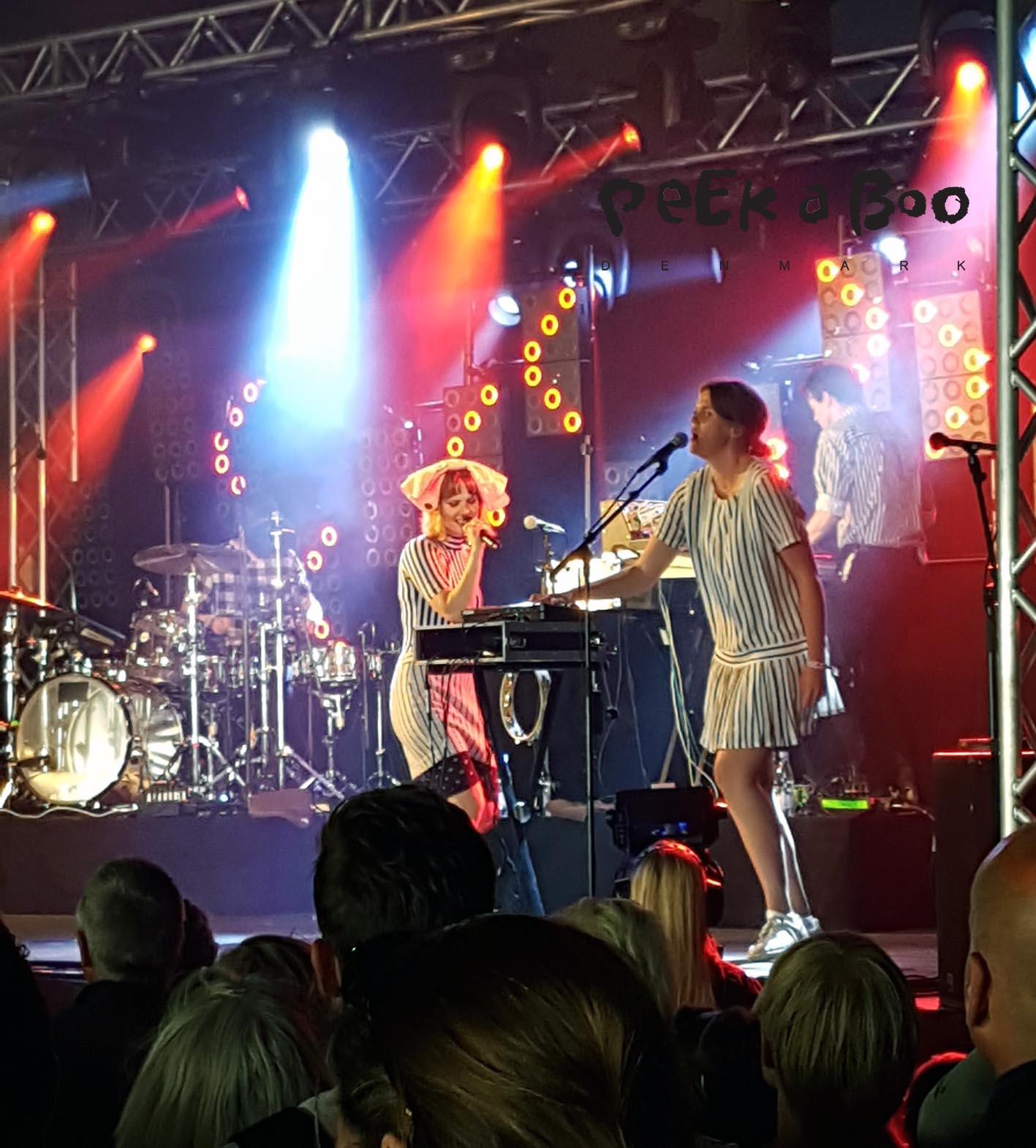 The Danish female singer Oh Land at Vig Festvalen 2016.