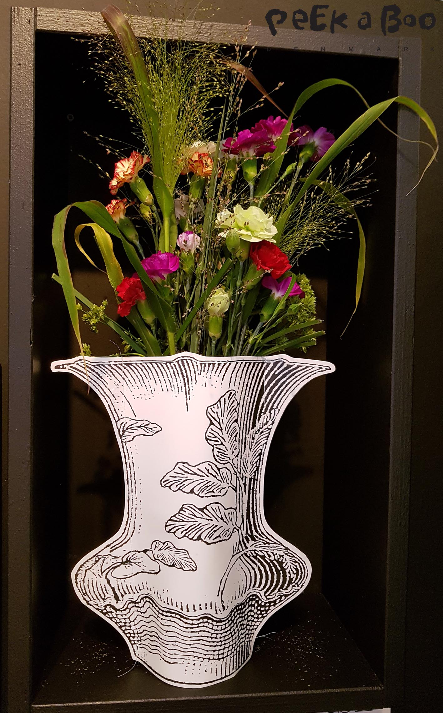 Paper Vase by Marie Michielssen this is sold by Serax.