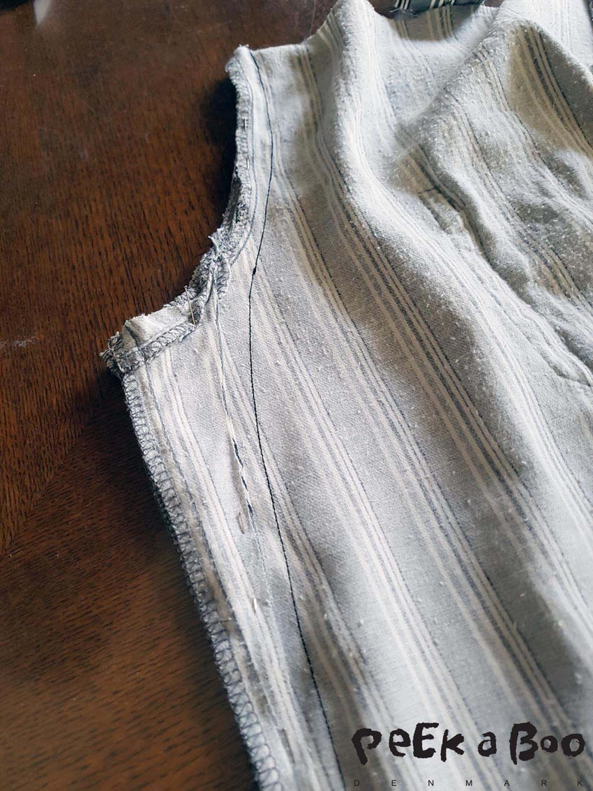 Now sew the sideseam. so you have a slightly curved line from waist to just below your hip.