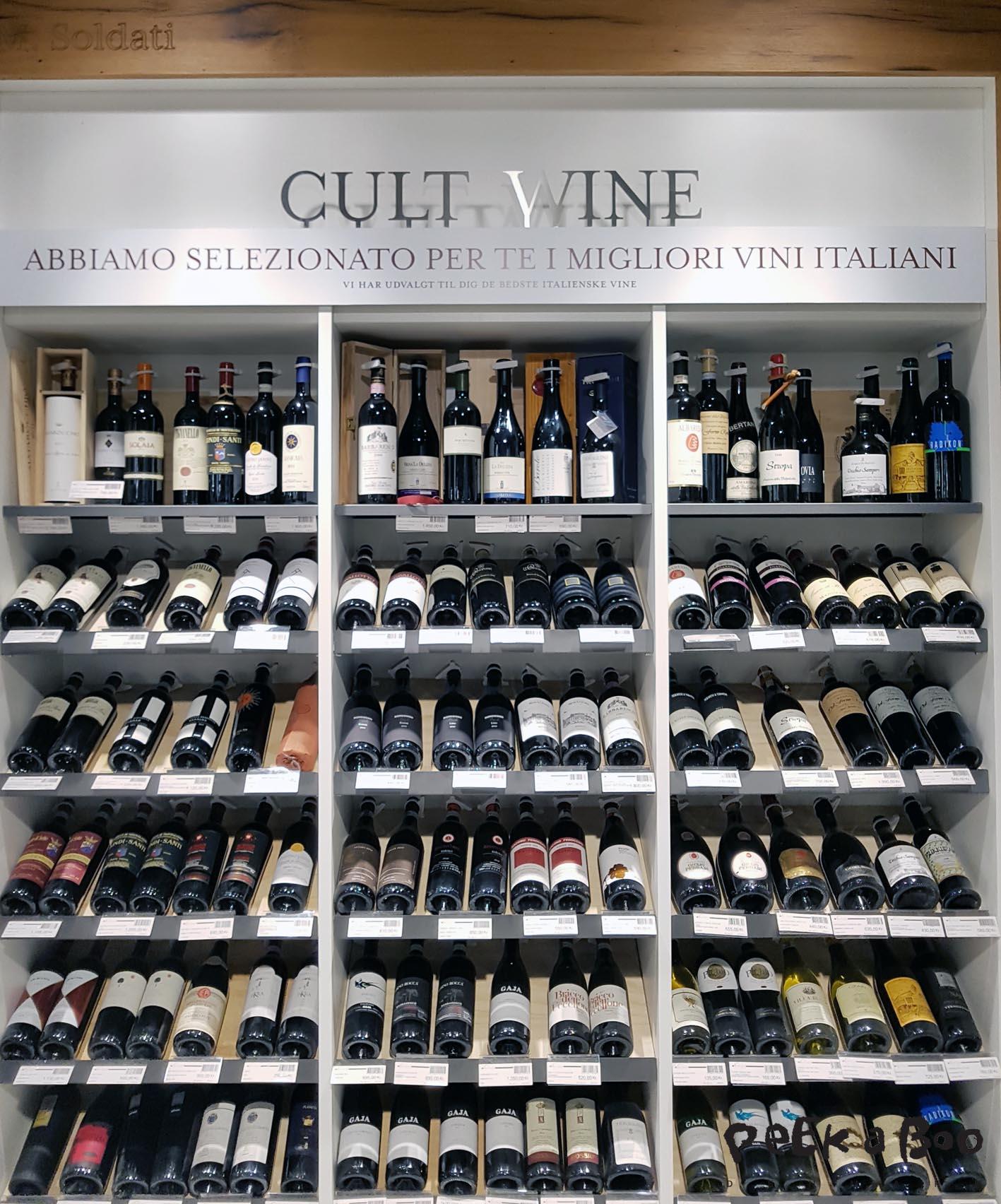 Udover vinbaren kan du også købe de bedste italienske vine med hjem.