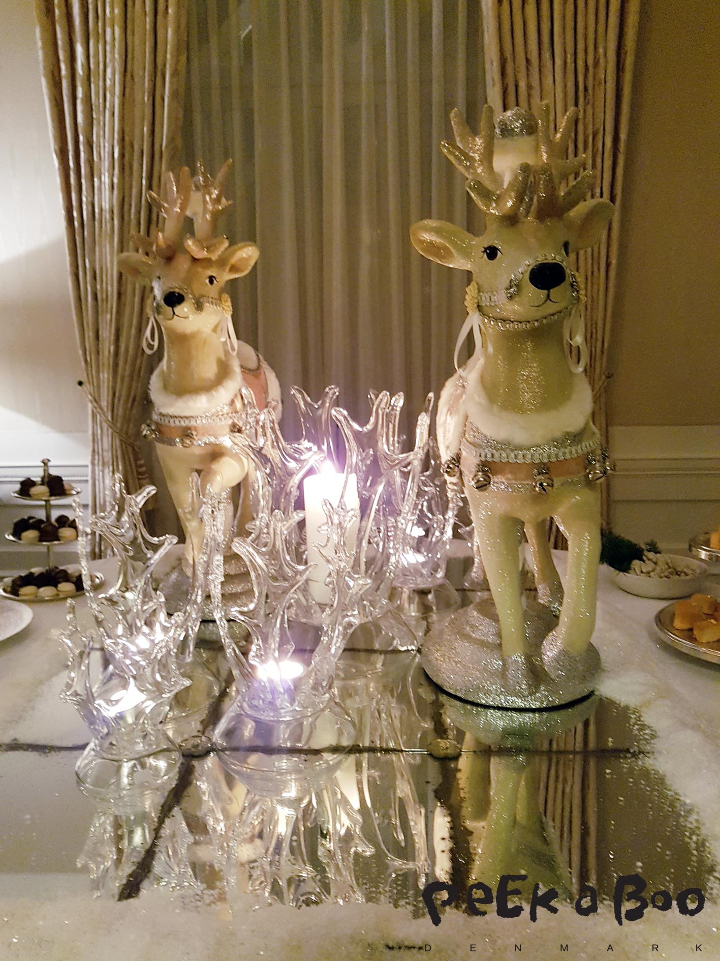 As part of the suite there is also a dining room, today decorated with these wonderful creatures.
