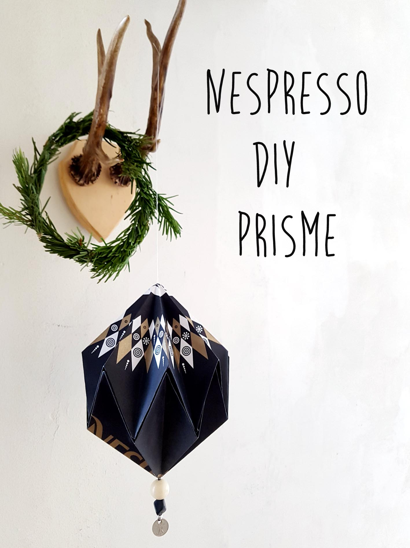 make a prisme ornament of your paperbag from nespresso.