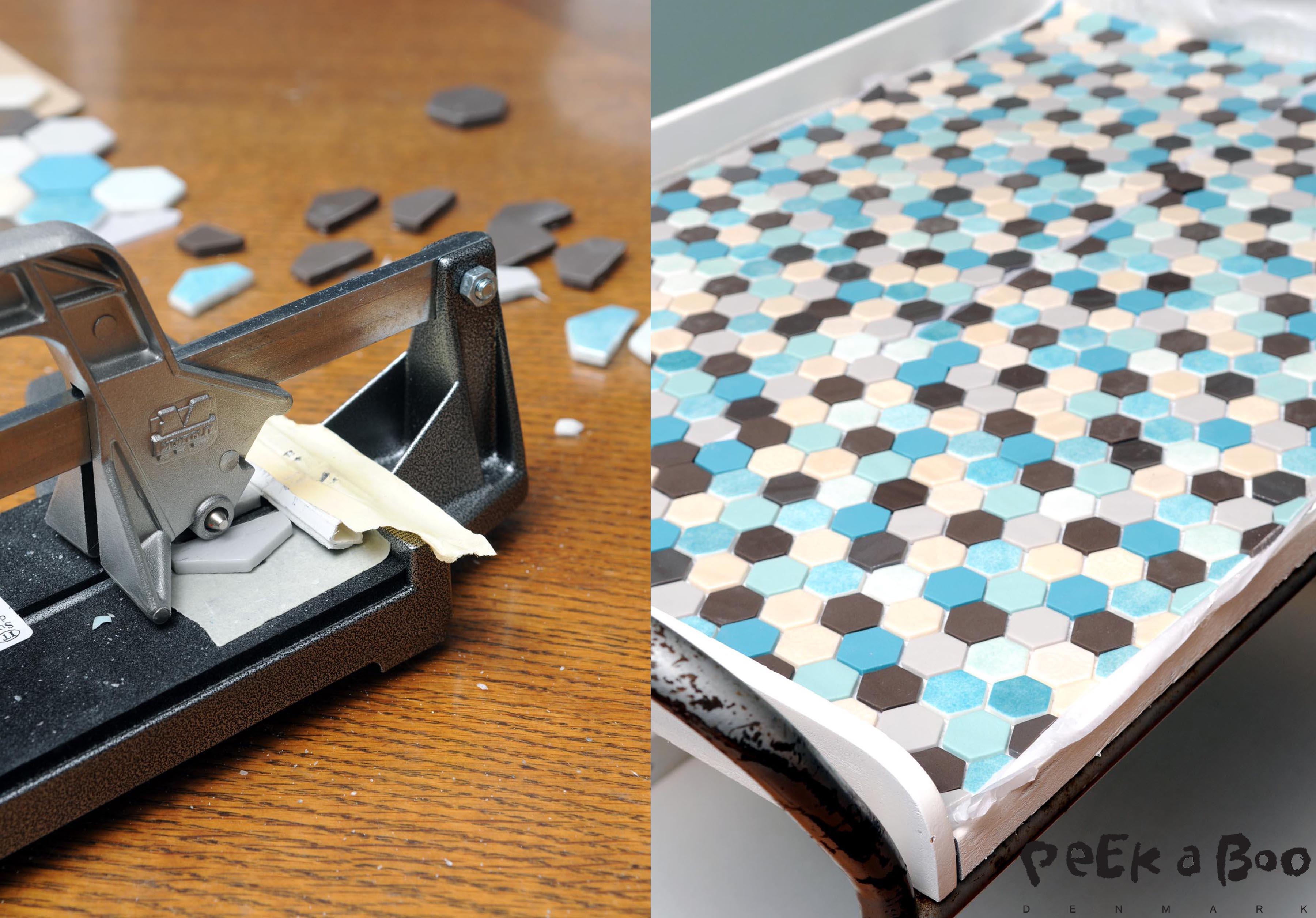 Skær fliserne til i kanterne og læg dem op på pladen for at sikre at de passer inden du kommer fliseklæben på.