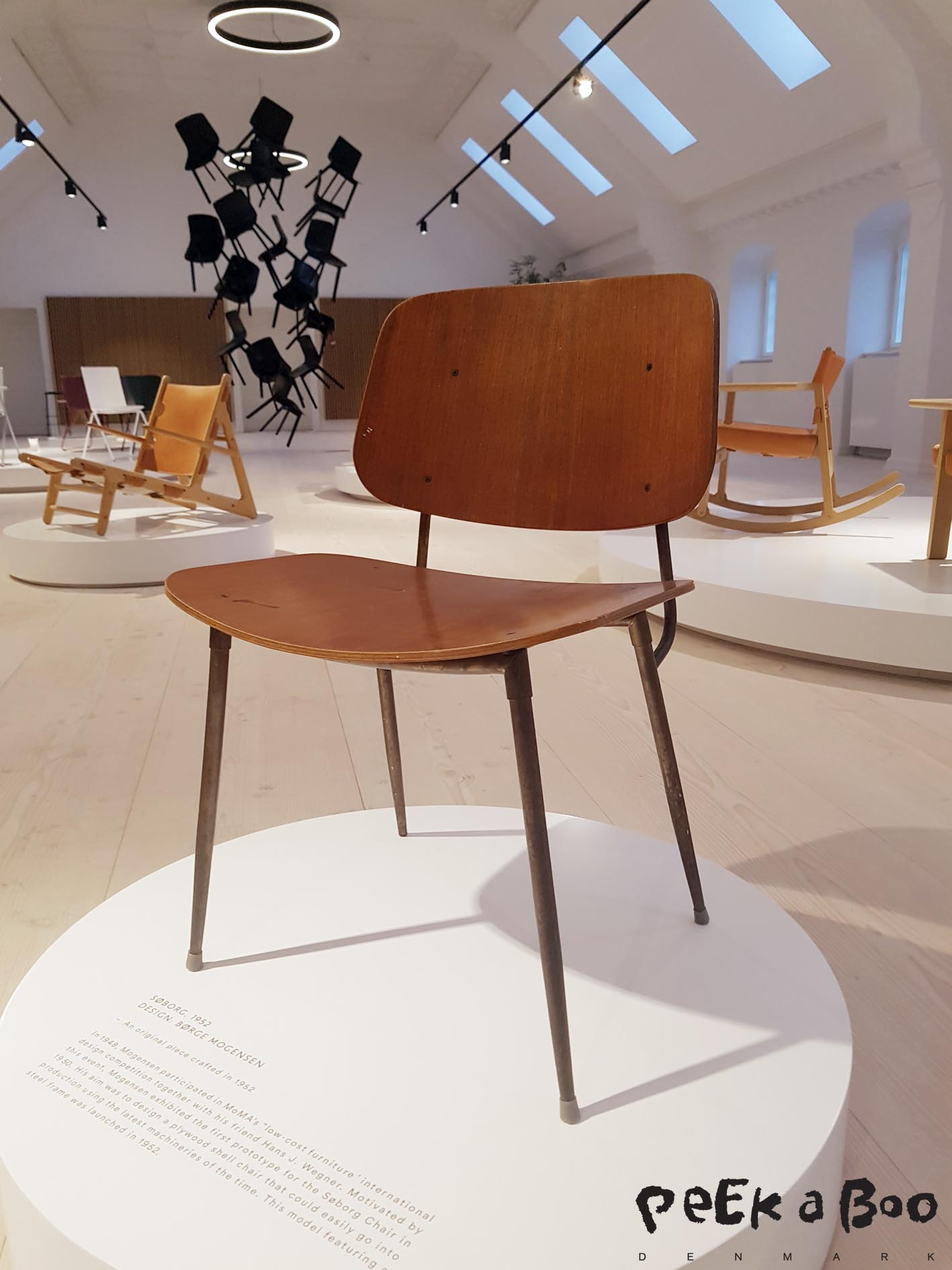 "The chair ""Søborg""designed by Børge Mogensen in 1952, his aim was to design a plywood shell chair that could easily go into production using the latest machineries of the time."