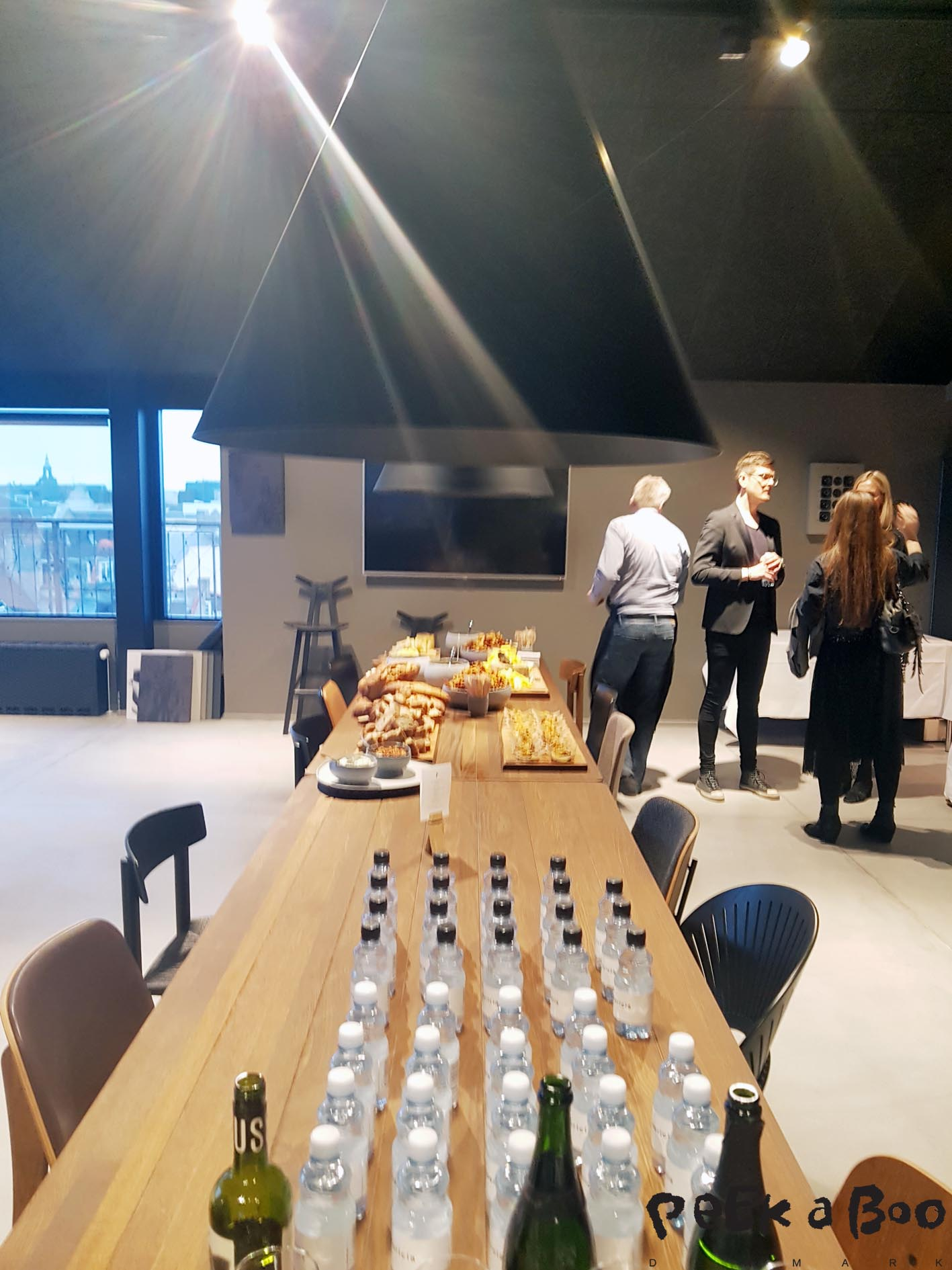 the kitchenarea of the topfloor of Fredericia furniture's new showroom.