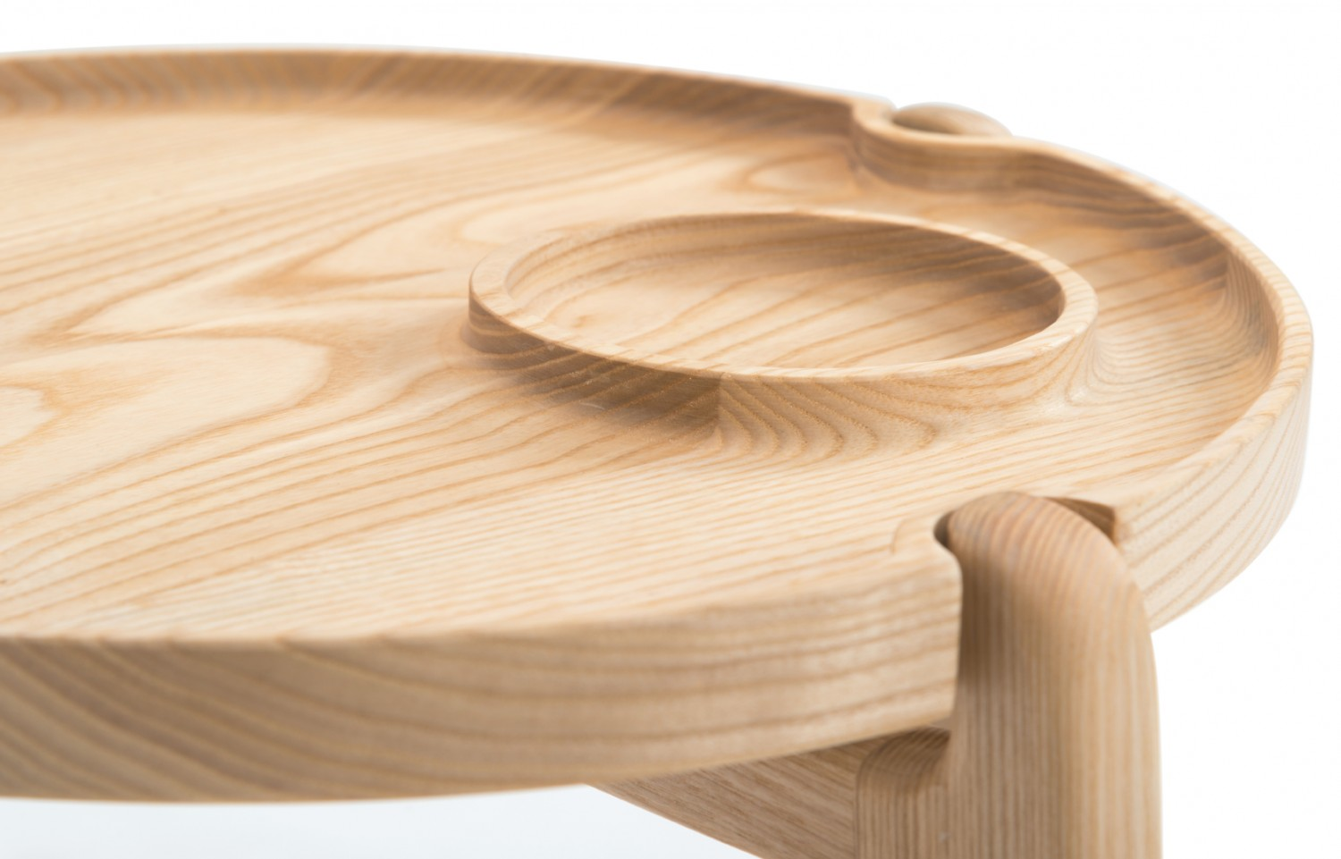 Again details on a side table that makes it both functional and beautiful.