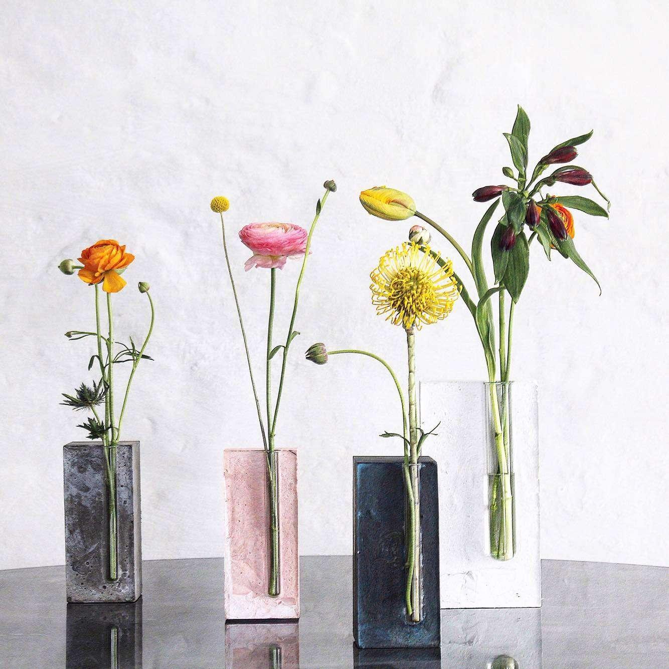 Skønne vaser kan man vist aldrig få for mange af...disse er jeg vild med...og glæder mig til at se.