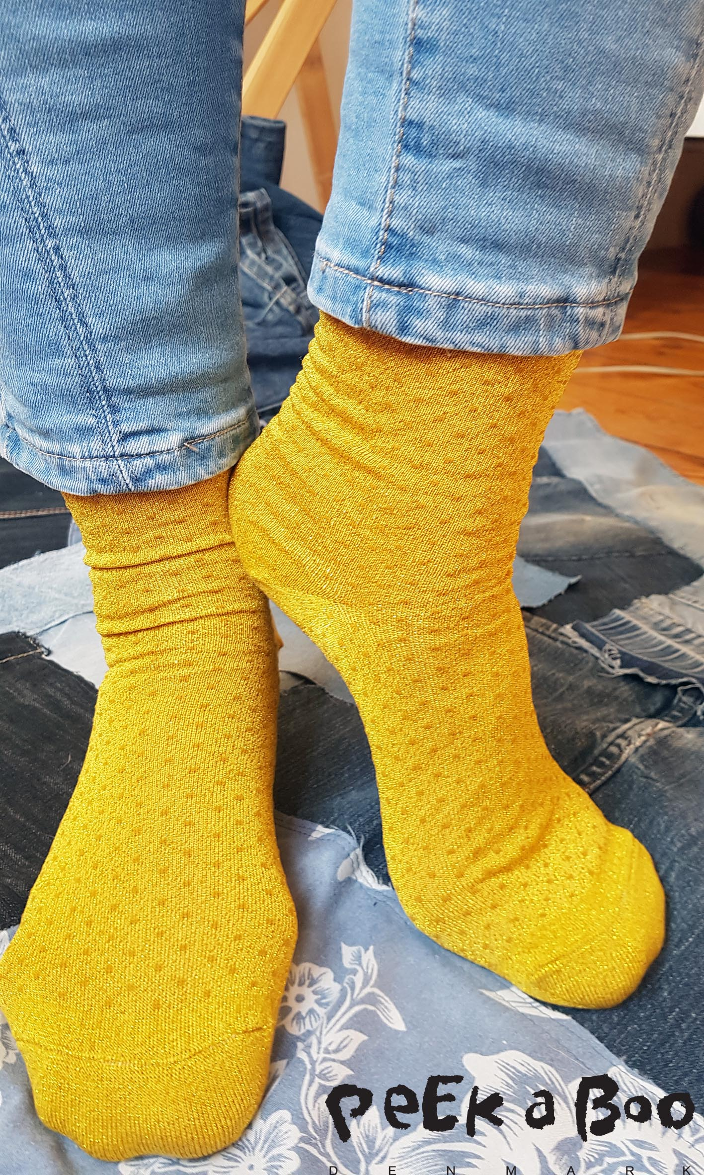 Yellow socks with glitter dots from Pico.