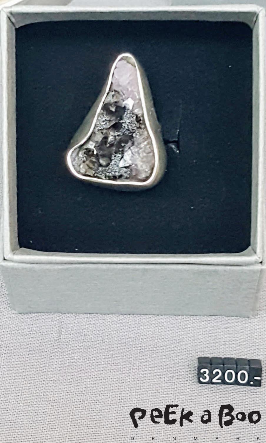 Alice Kaufmann laver smykker der skiller sig ud med deres rustikke formsprog.