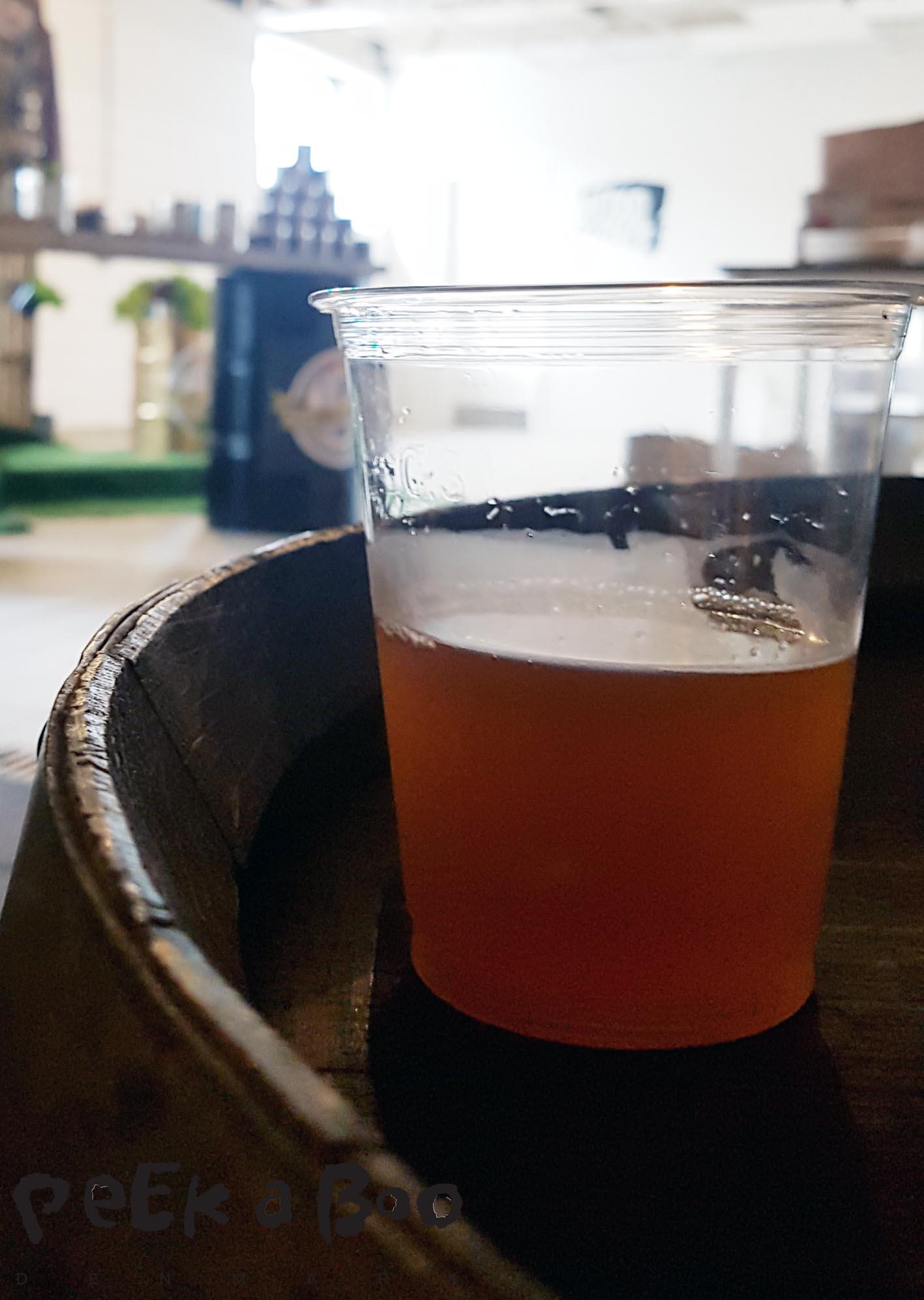 Dette år øko øl brygget til Roskilde festivallen hedder orange 17, og er fra Jacobsen.