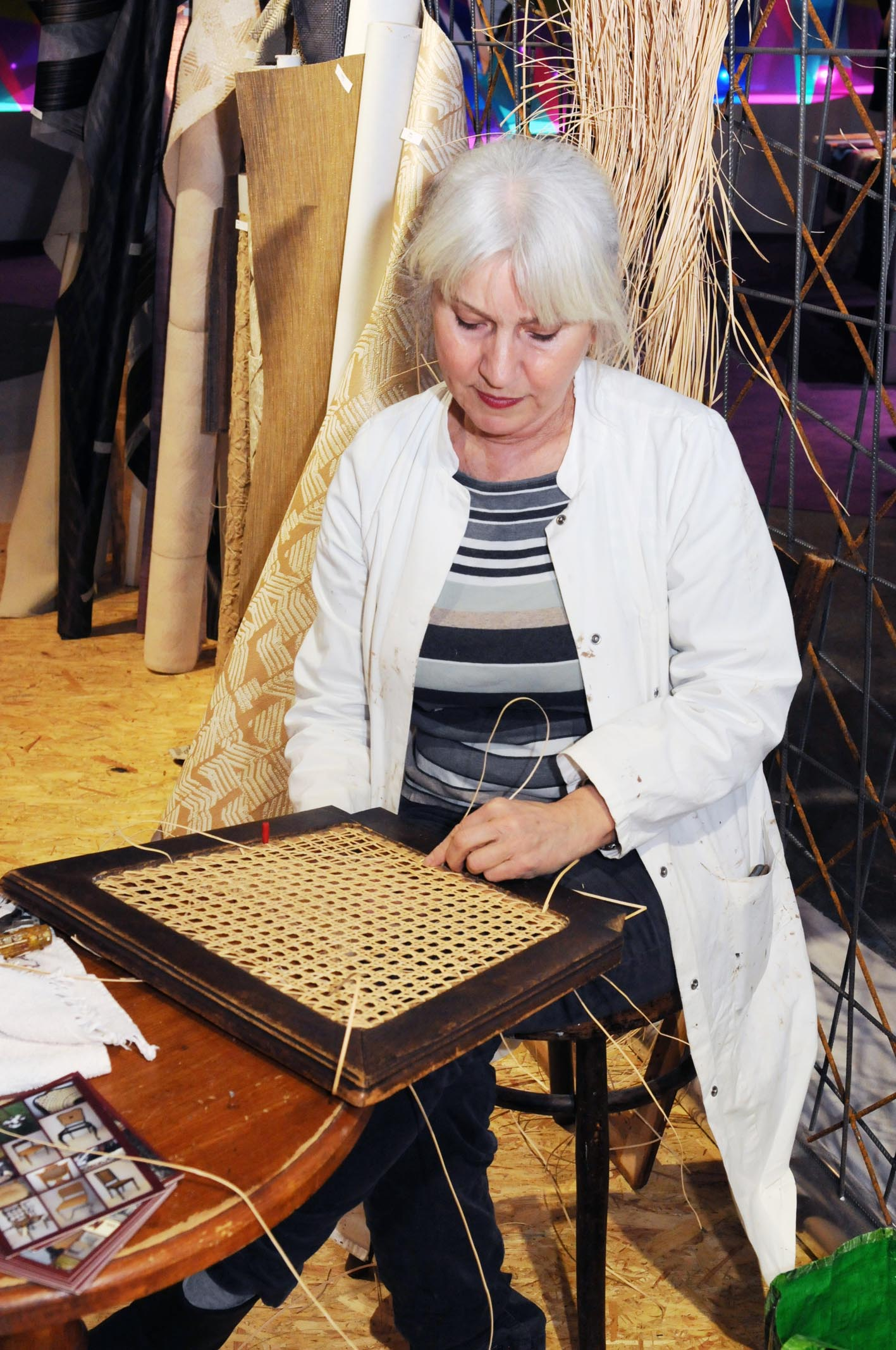 working craftsmen and women will be present at the fair.