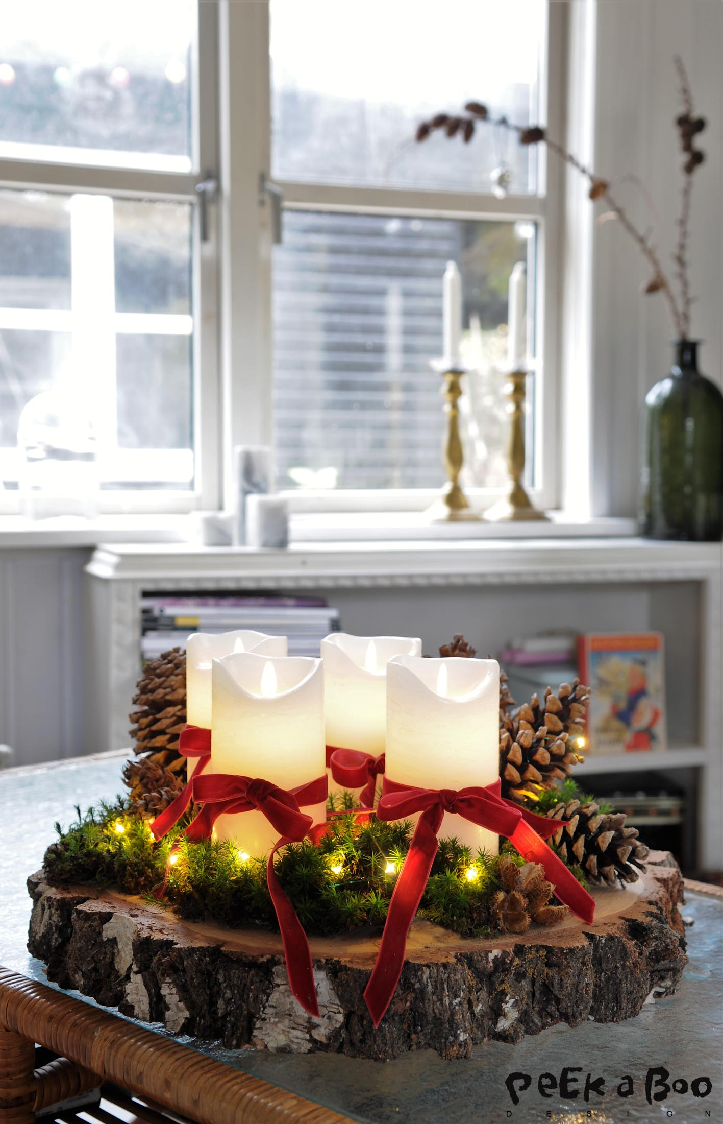 The forest inspired advents decoration that is only made with artificial candlelights, so you o not need to worry about the danger for a fire.