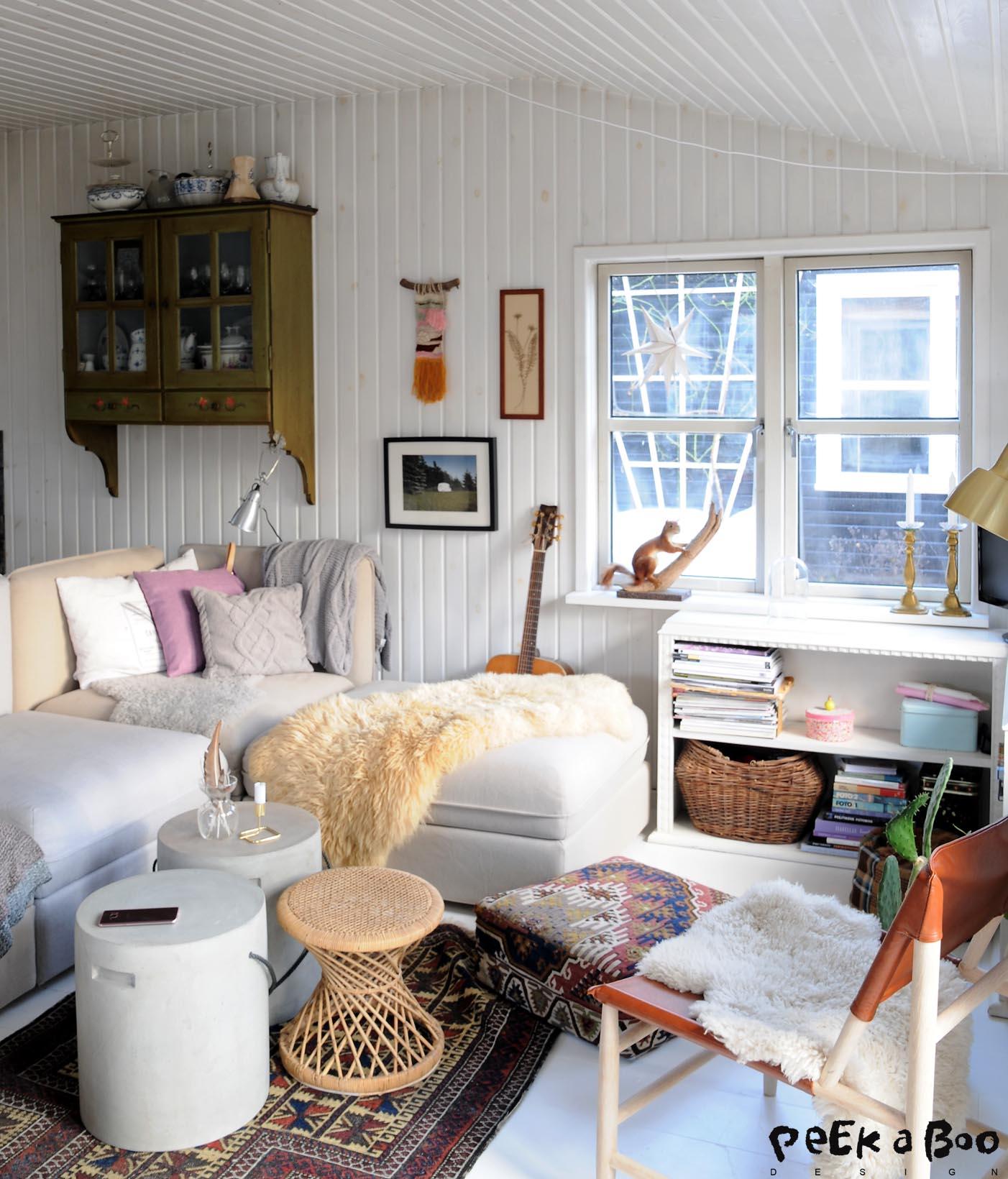 Stuen med ny sofa fra IKEA. Den hedder Vallentuna og kan sammensættes lige præcis som det passer jeres stue og behov.