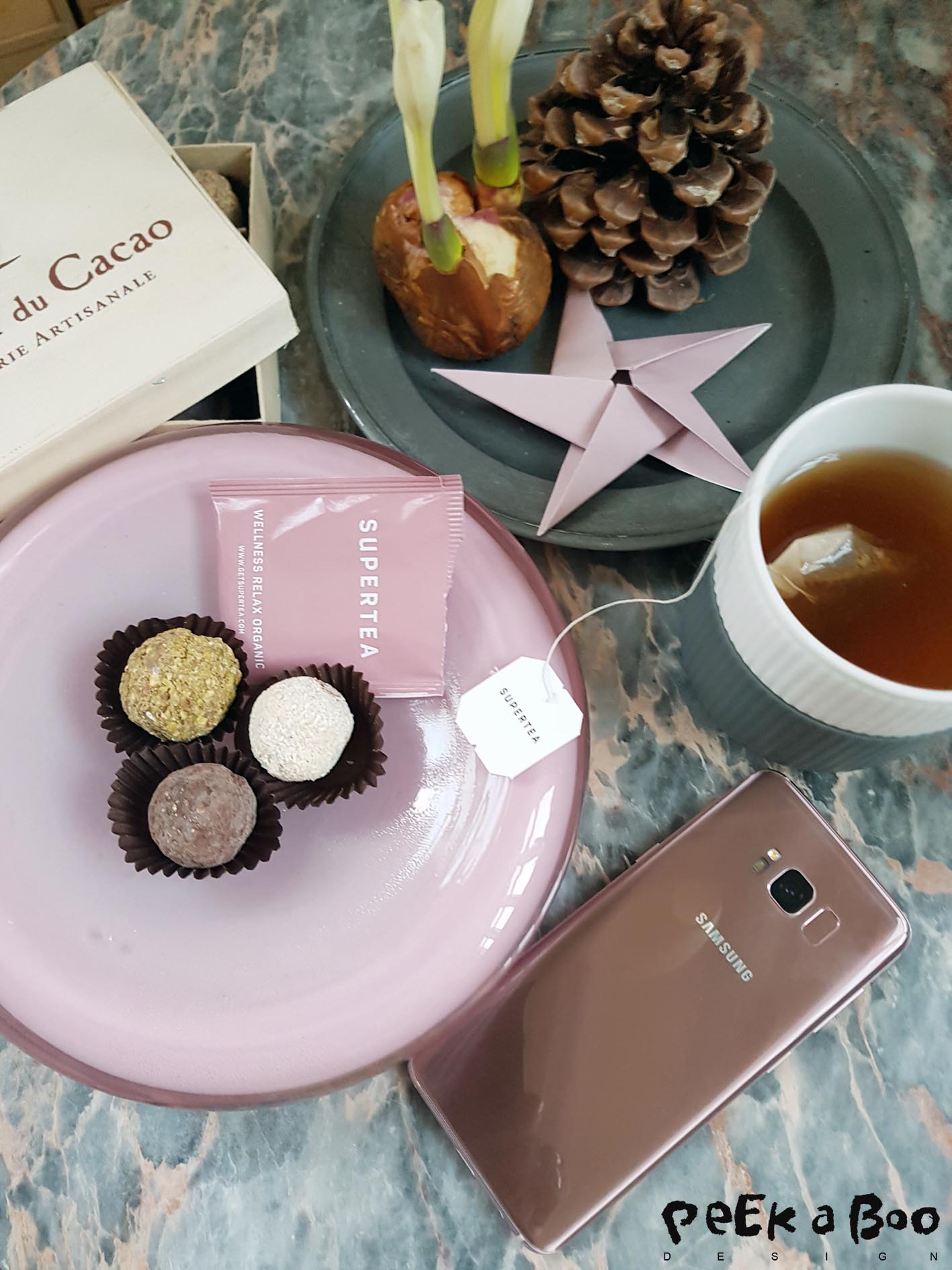 Samsung Galaxy S8 edge in the rosegold colour....Perfect wish for christmas.