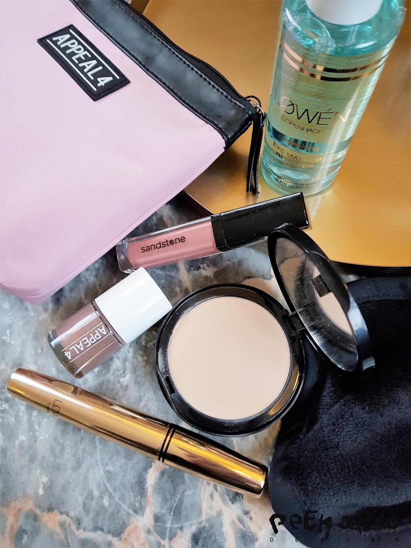 Make-up from the danish allergy certified make-up brand Sandstone is some of my favorites.