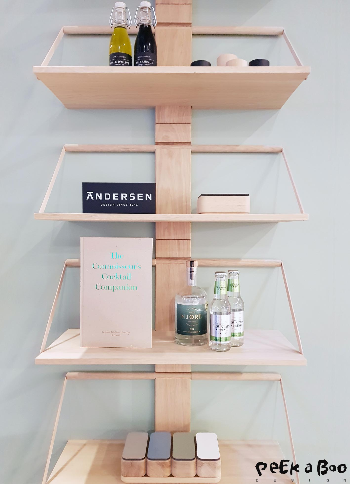 Shelf systems are booming and this one is really a good sulotion from Andersen Furniture.