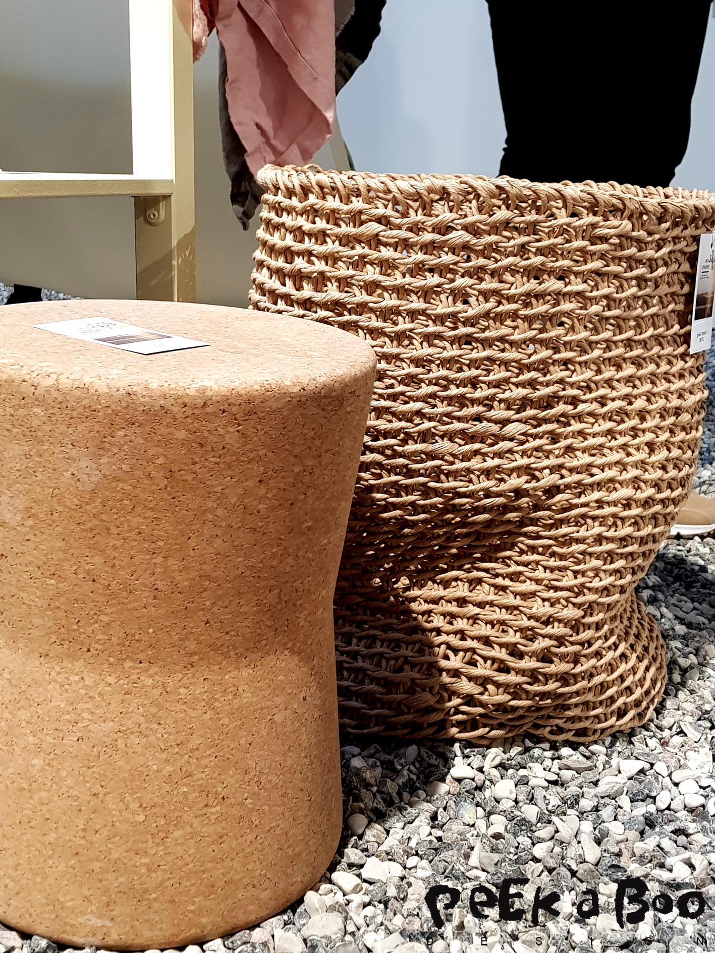 This Stool is made by the danish interior brand Oyoy. You can make all kind of 3D shapes in cork. We have seen bathtubs, chairs and a lot of other things made entirely in cork.