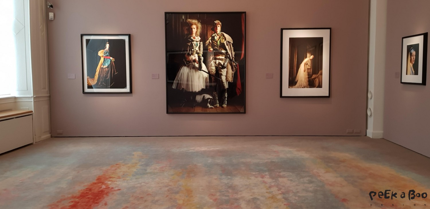 "Historic photo and matching carpets from the exhibition ""vogue like a painting"""