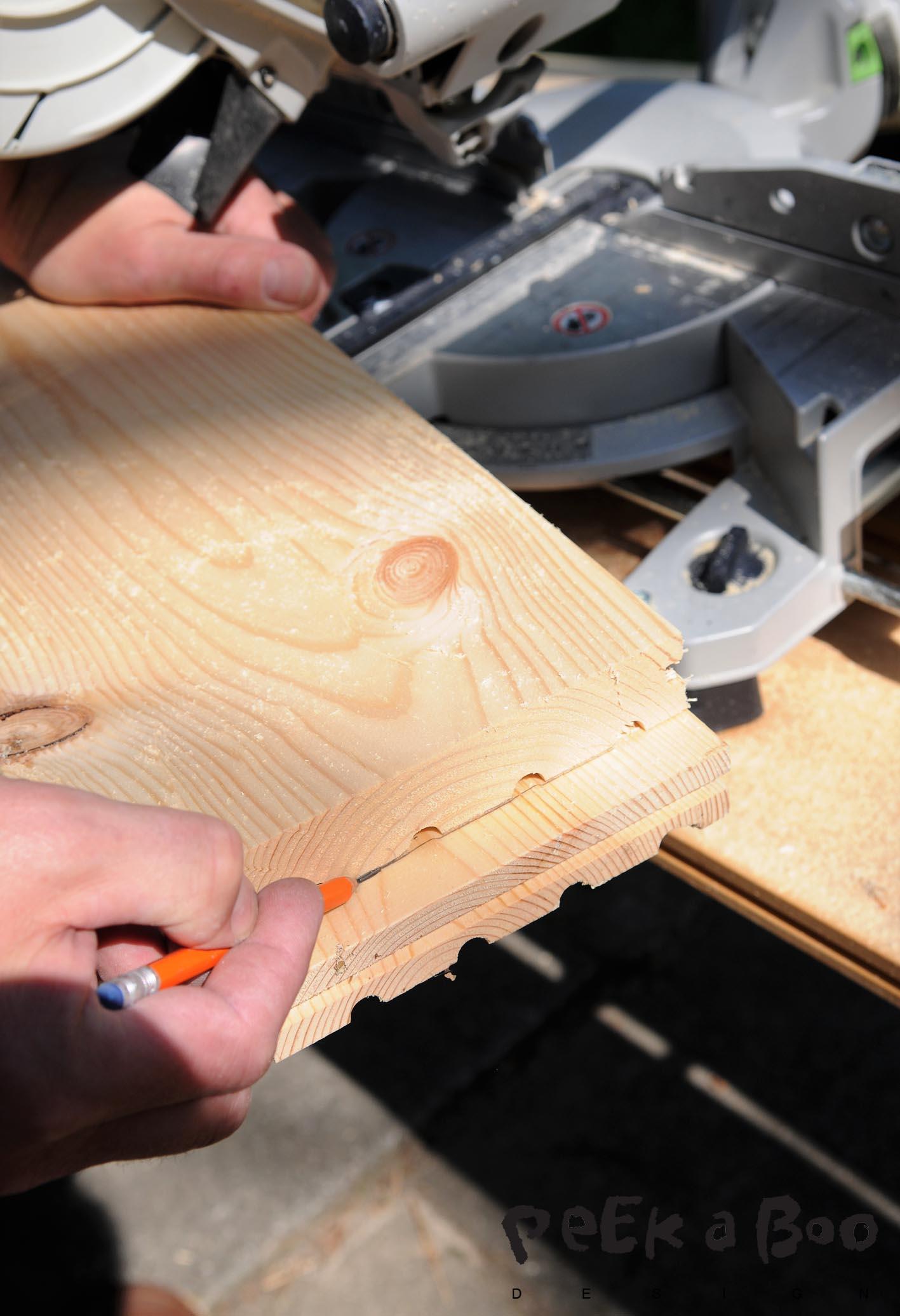 Start med at save plankerne i samme længde.