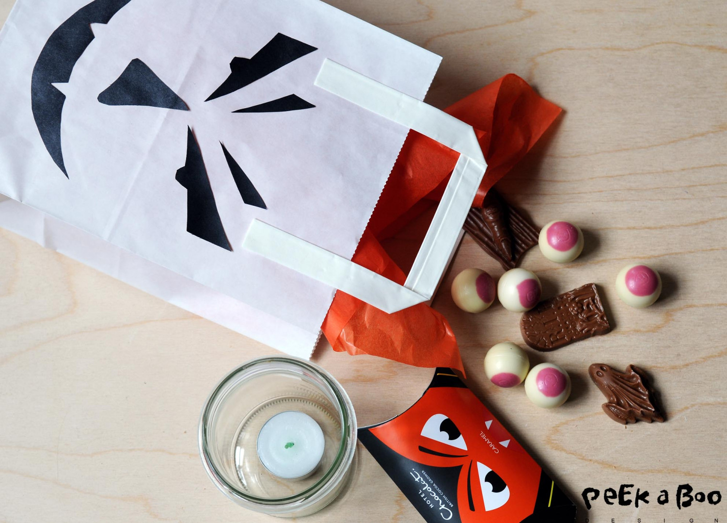 Fill the candybag with the scary chocolate from Hotel Chocolat and a glass and tealight, and the kids will be trilled to get this bag.