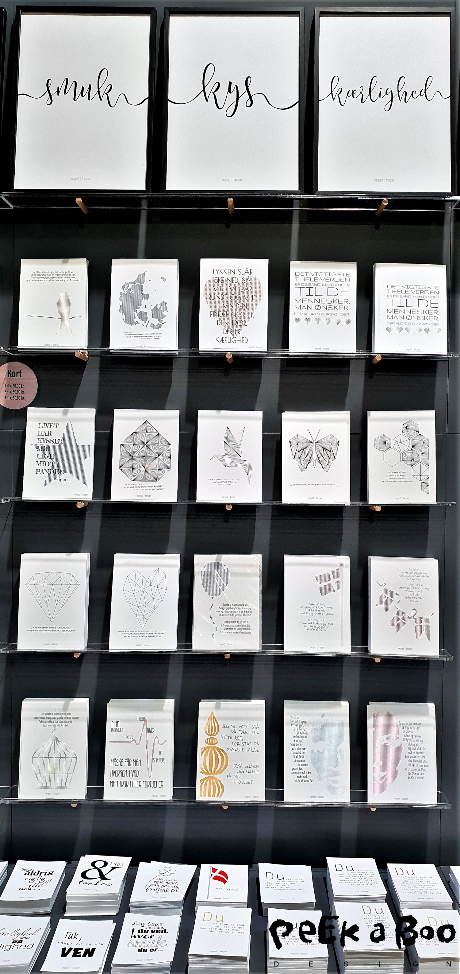 norgaard I norgaard laver enkle grafiske kort med tekster der rammer plet.