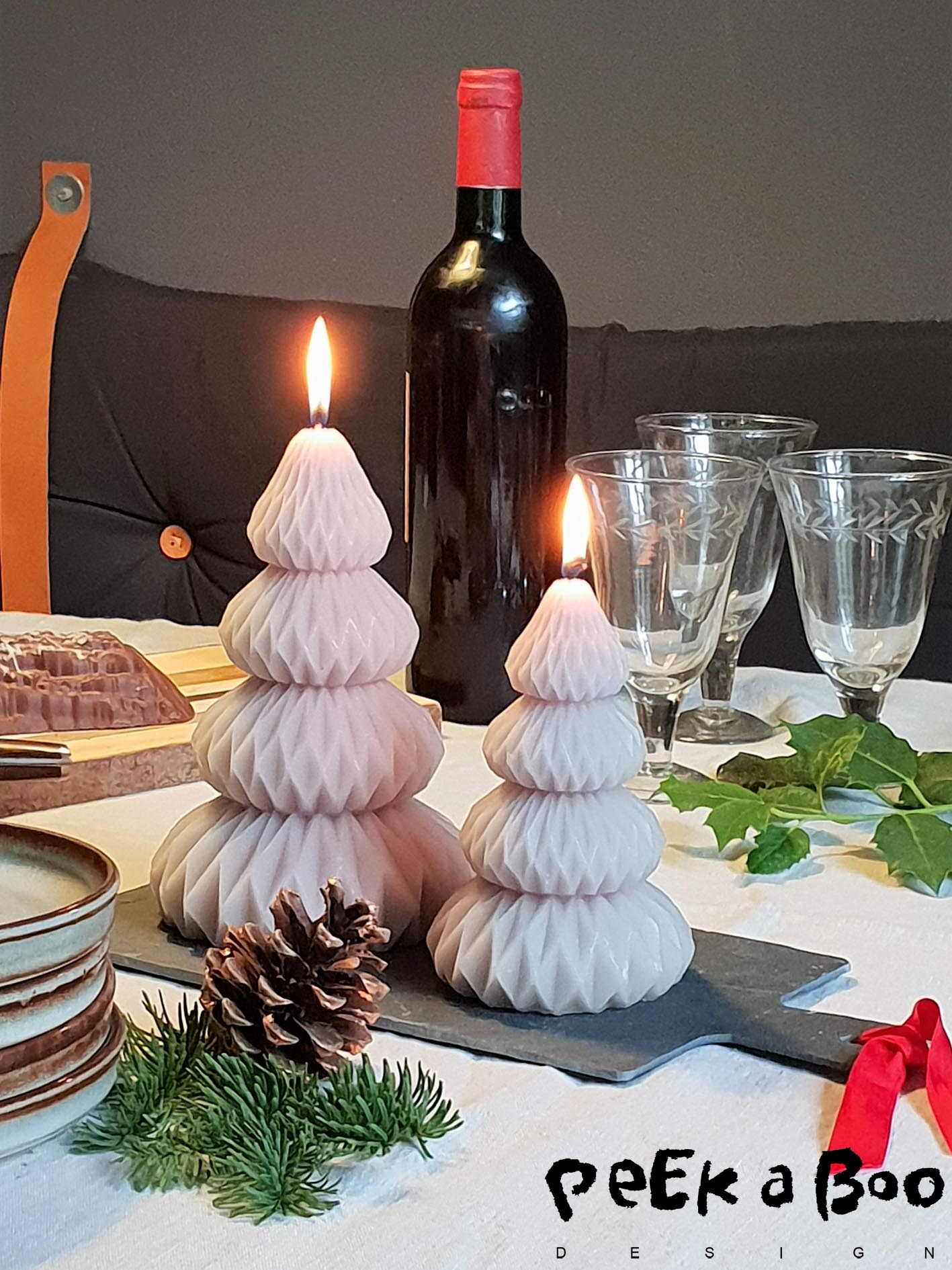 Set the table for a cosy christmas dinner.