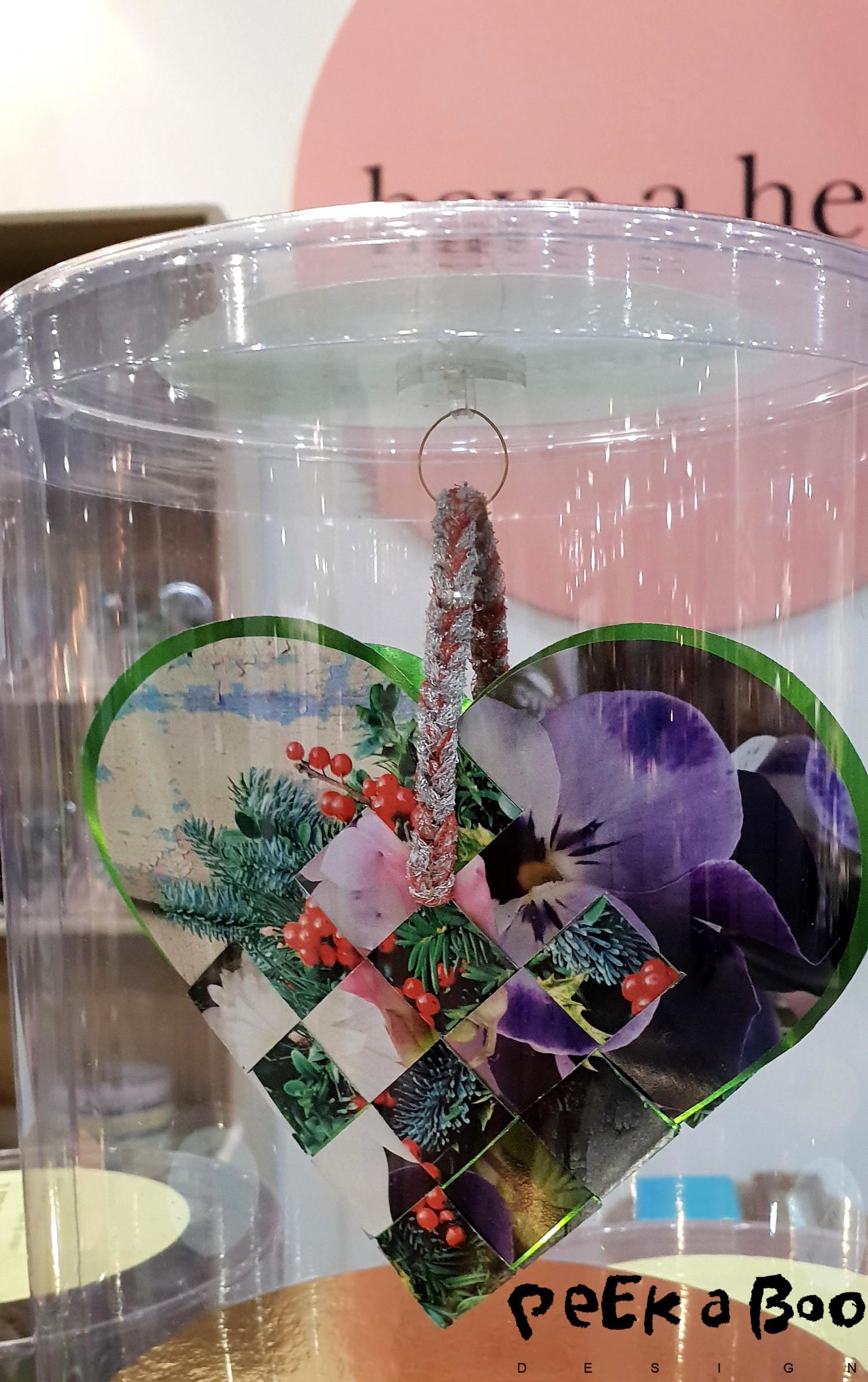 Den danske kunstner Mette Petri laver smukke hjerter i genbrugspapir og med en sød historie.