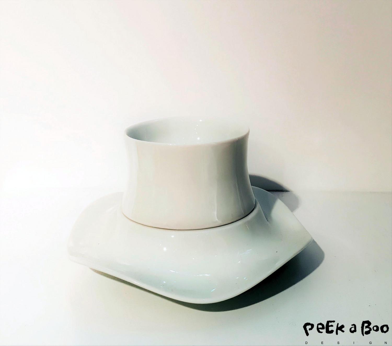 Simpel porcelain cup and saucer designed by Türkish Kunter Sekercioglu, seen at Heimtextil in Frankfurt.