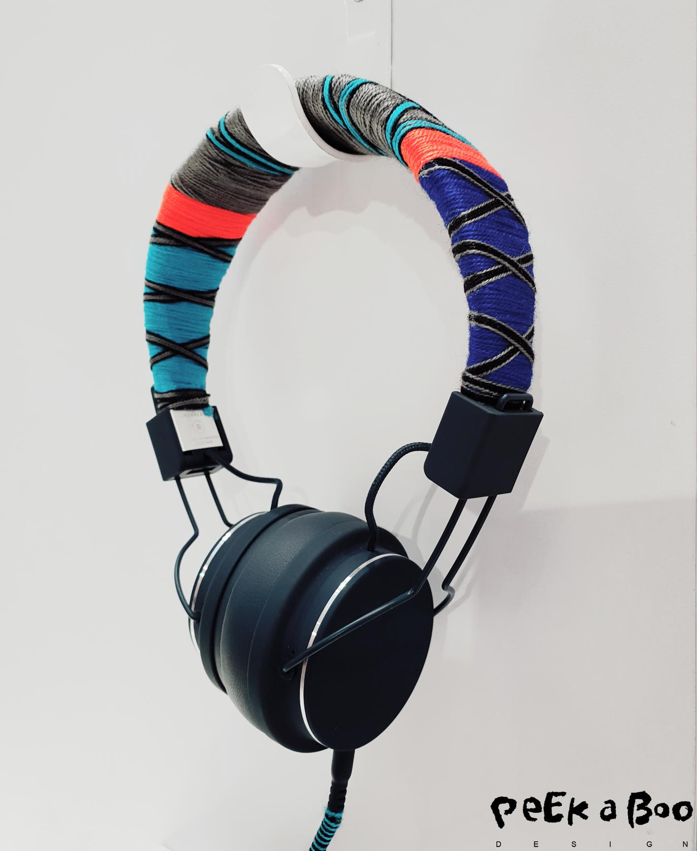 This headset is decorated with colourful trimmings from the türkish exhibitors at Heimtextil.