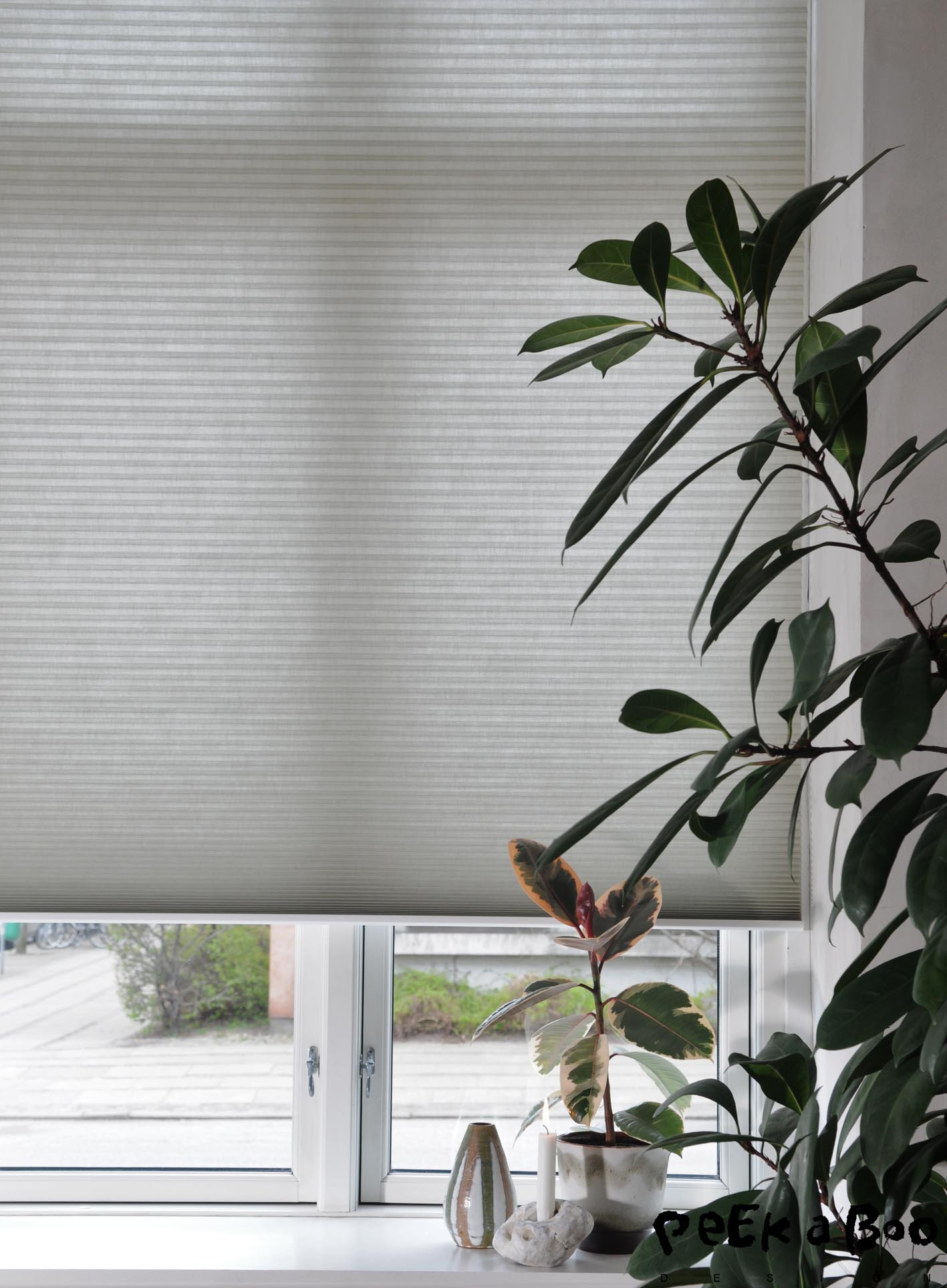 Luxaflex duette blinds with motorized function that can be controled by the Powerview remote or app.