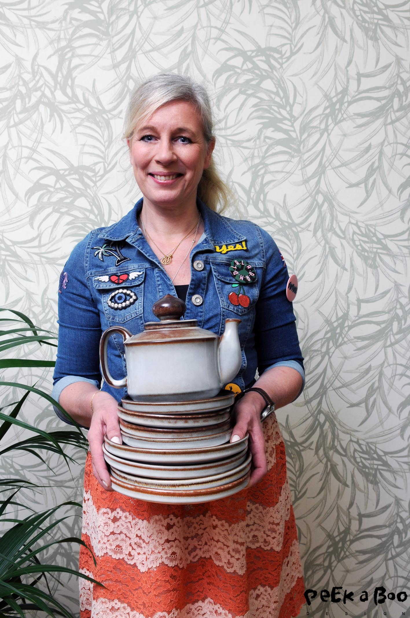 Me with my tableware from the 70'ies. It is from the company Søholm Keramik from the island of Bornholm, Denmark.