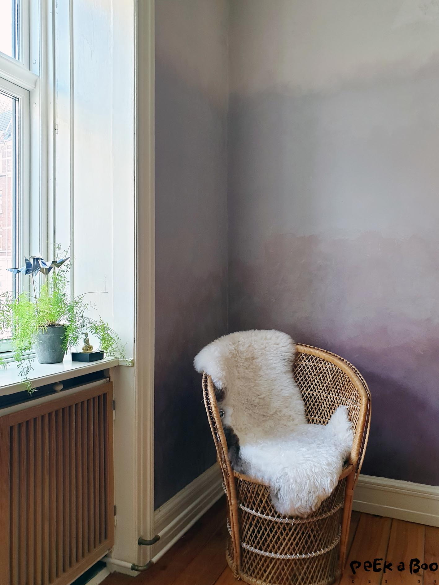 The finished wall with the dip dyed effect made with Kabric from Detale Cph.