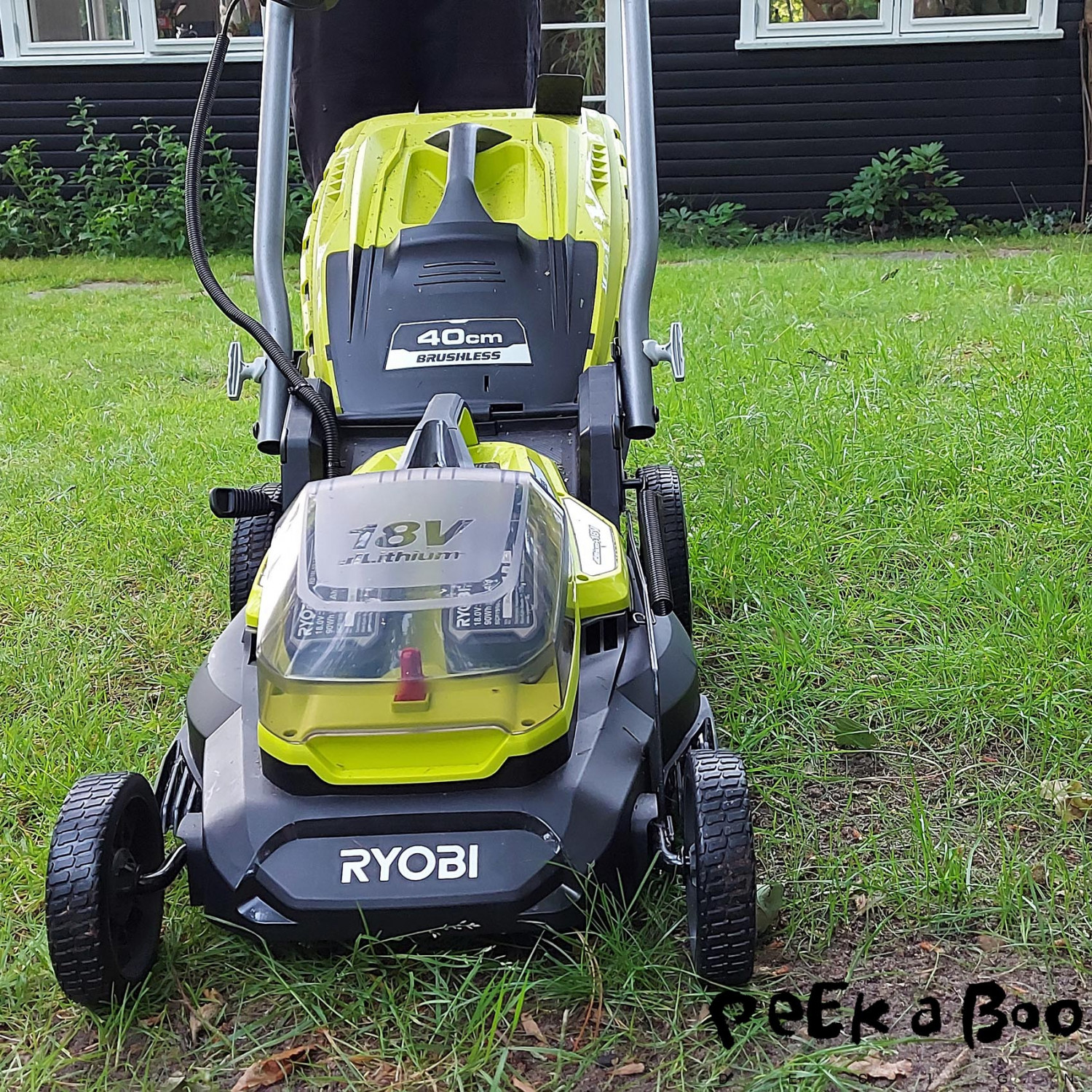 Ryobi RY18LMX40A the batterydriven lawnmover.