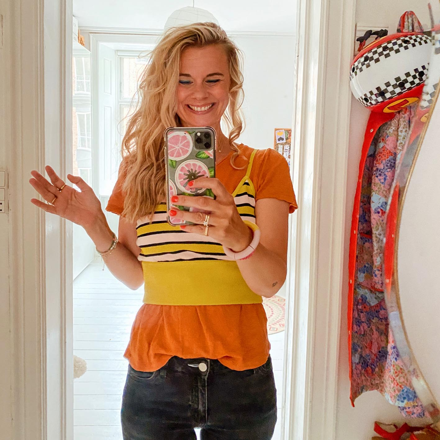 This is just one of the looks that you will find on Trines IG profile...and this is not the wildest one...you can also find IGTV films where Trine give some of her tips and tricks for more cheerful wardrobe styling