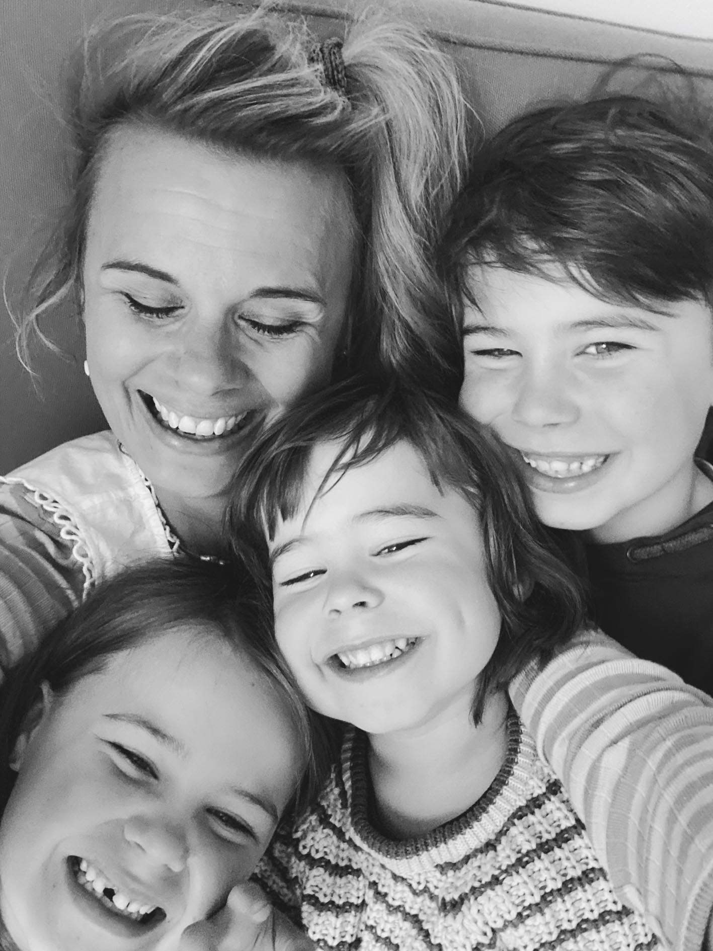 Trine with her 3 lovely kids.