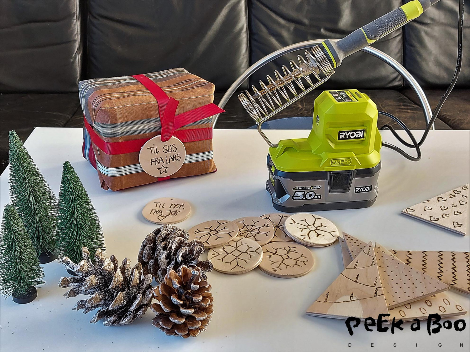 The Soldering iron from Ryobi, here used as a wood burner.