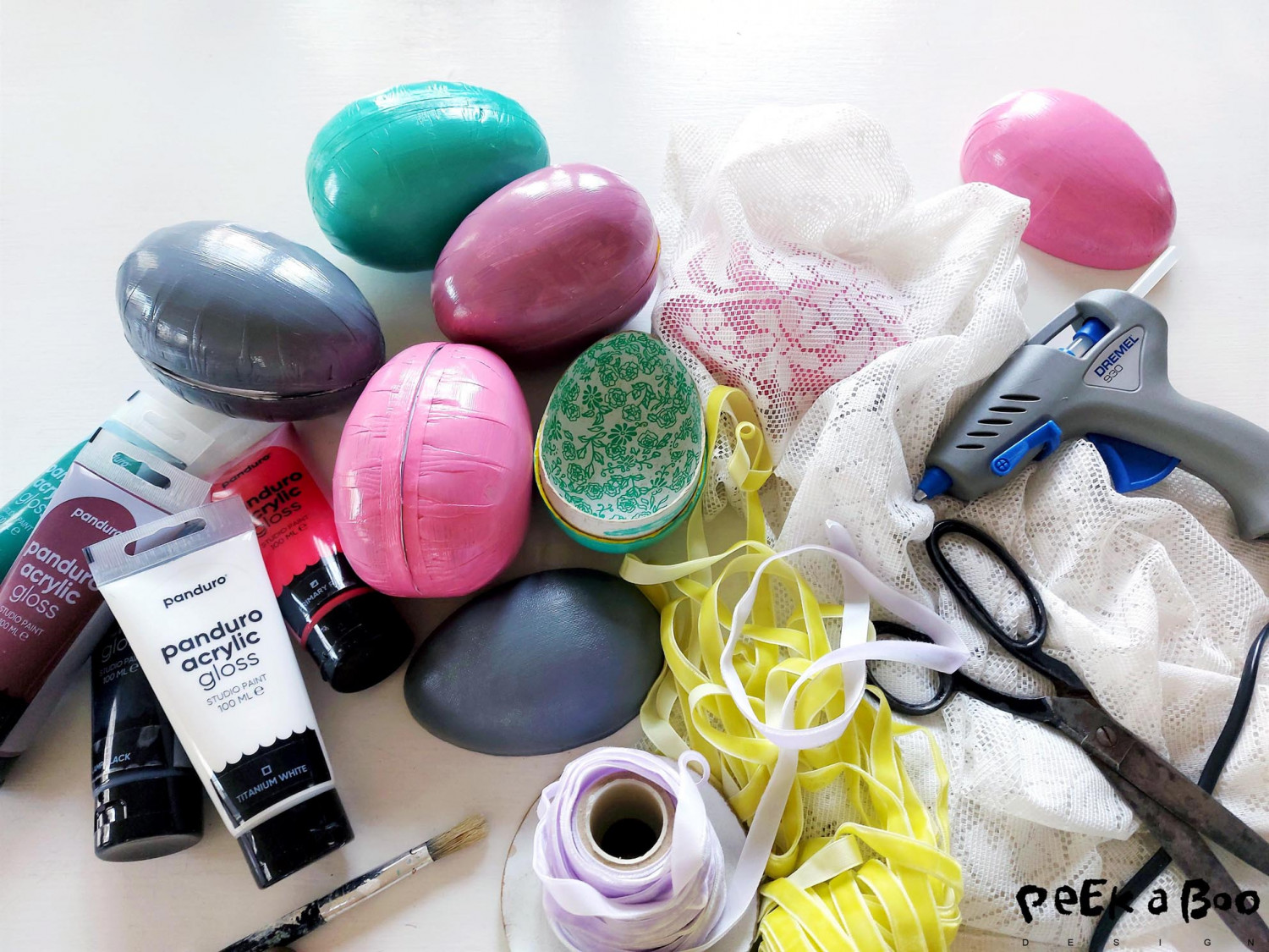 These are the materials you'll need for the easter DIY project