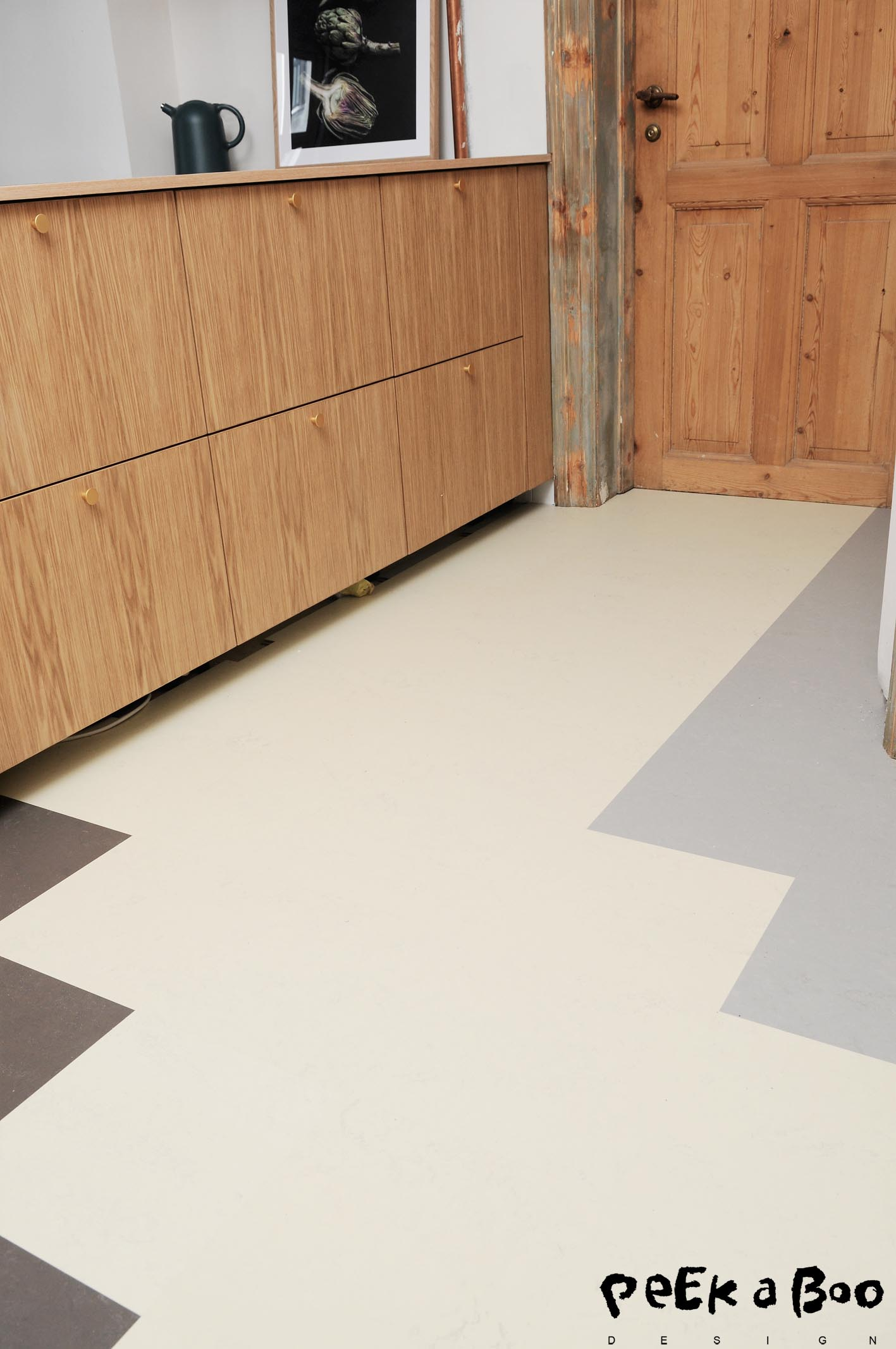 The Forbo flooring system marmoleum looks fantastic with the oak frames.