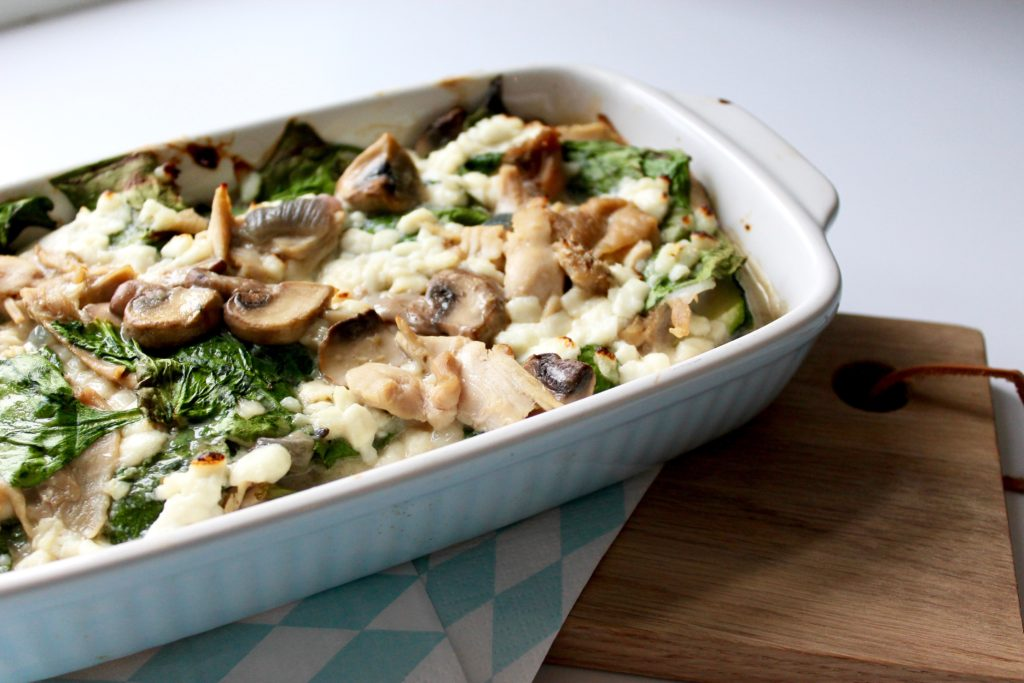 low carb kyllinge lasagne med spinat og cremet svampesovs