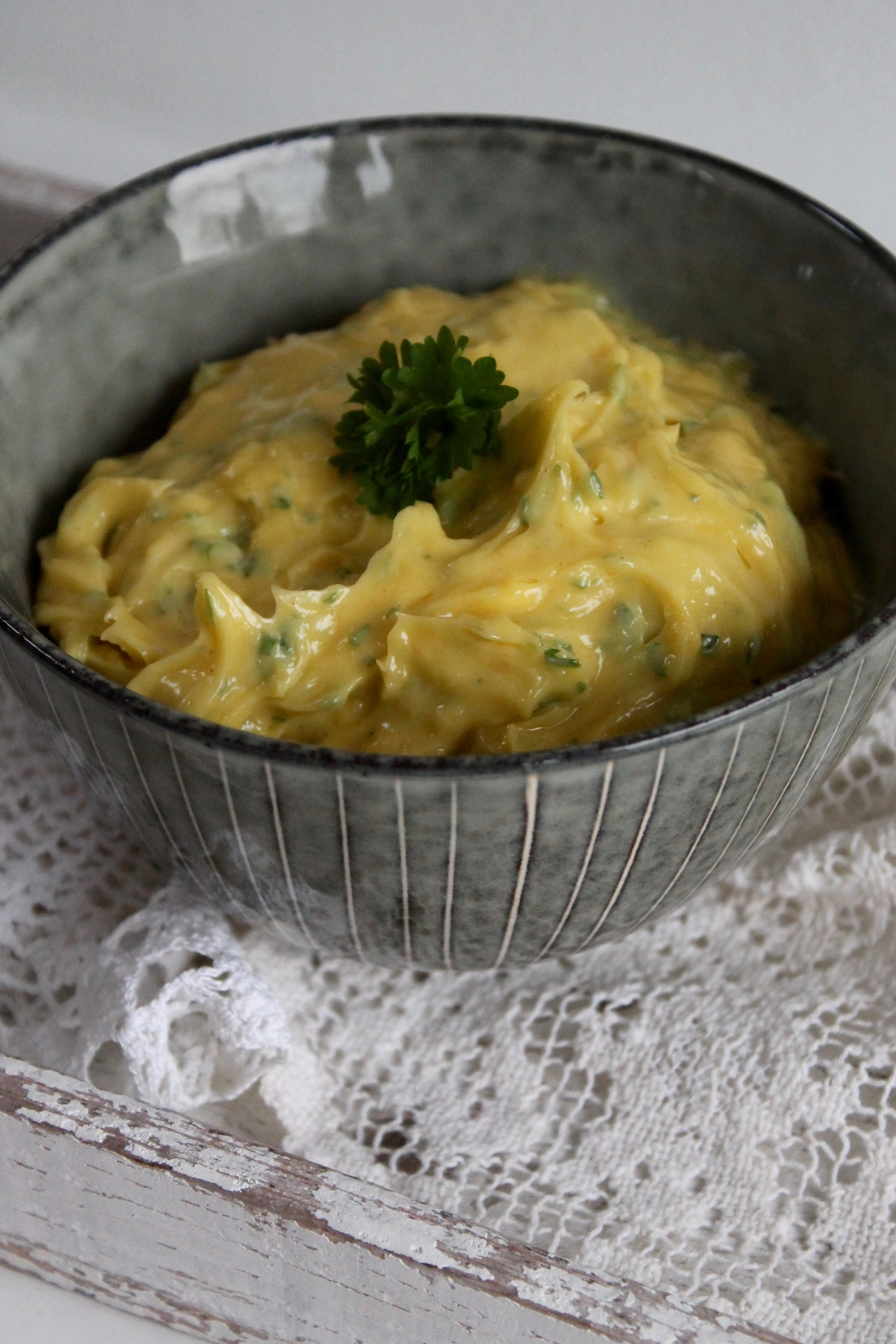 mayonnaise med hvidløg og persille